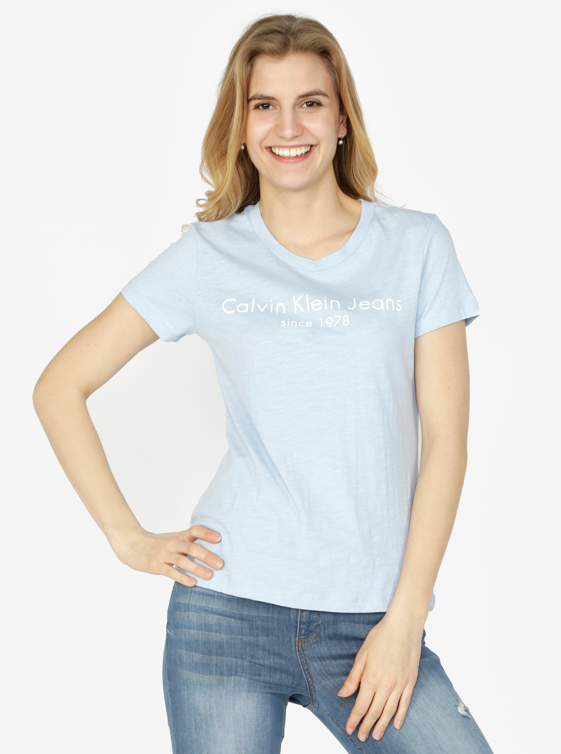 6d067be59a75 Svetlomodré dámske tričko s potlačou Calvin Klein Jeans Tamar ...
