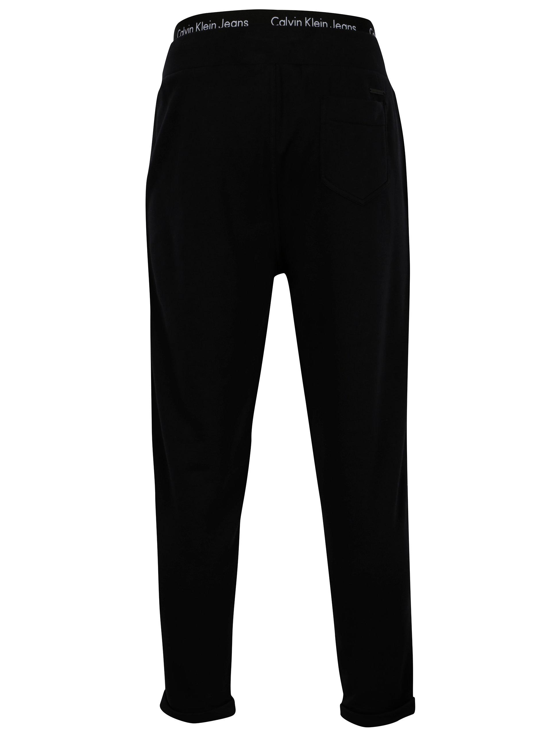 157c98b1e3 Černé pánské tepláky Calvin Klein Jeans Halfon ...