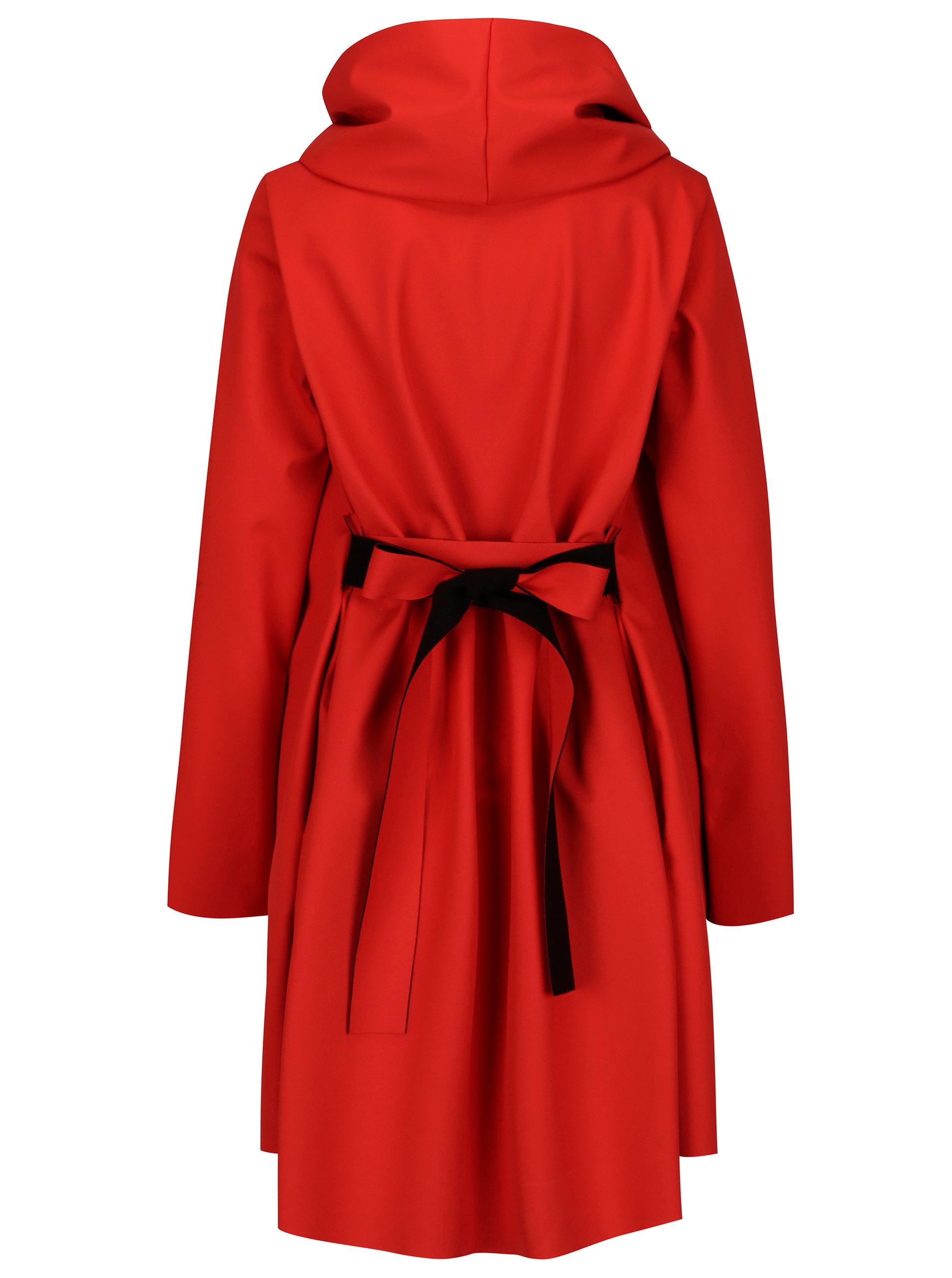 Černo-červený voděodolný kabát Design by Lucie Jack ... 418e8710a0