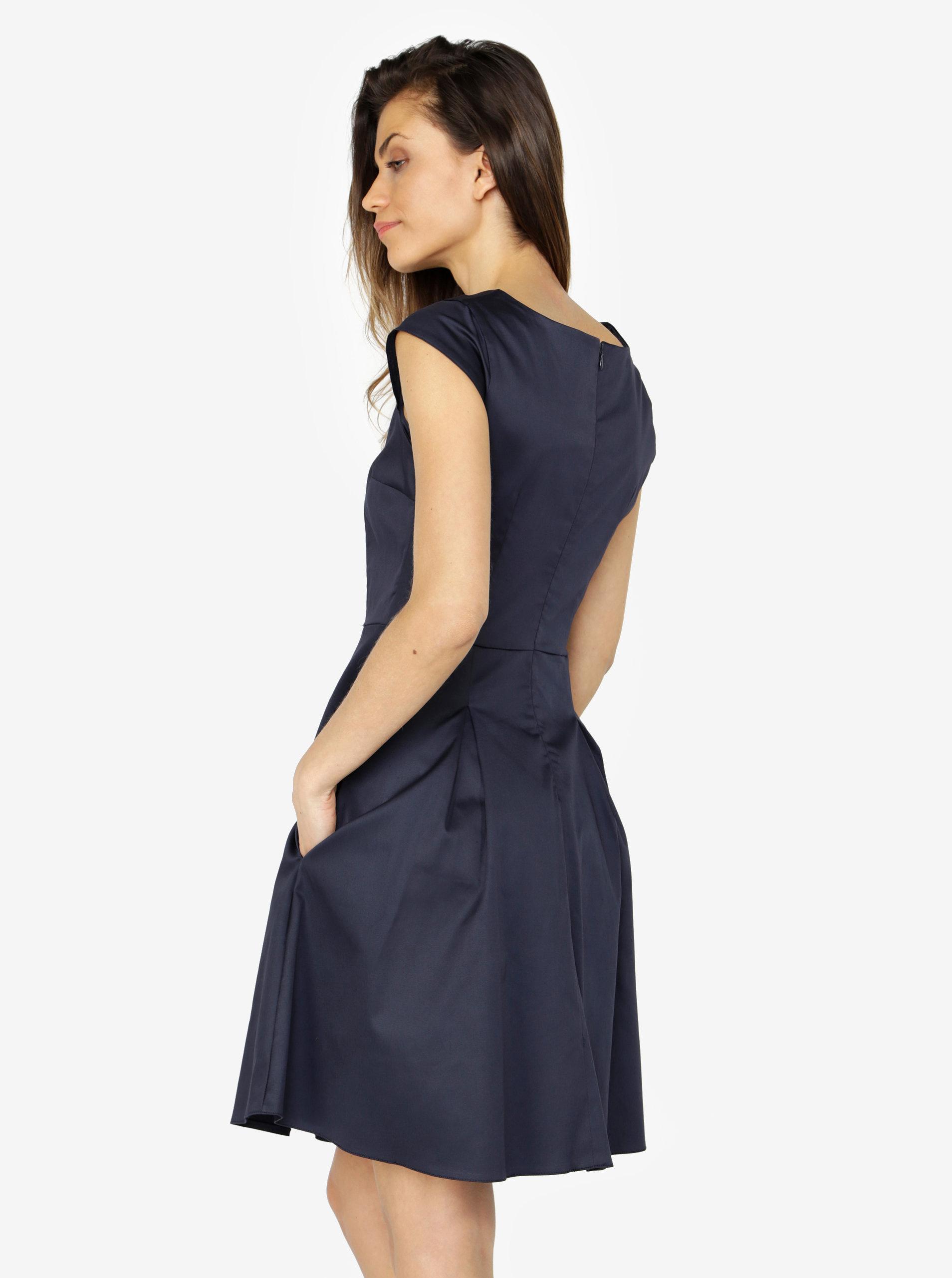 129bb9470ad9 Tmavě modré šaty s áčkovou sukní ZOOT ...