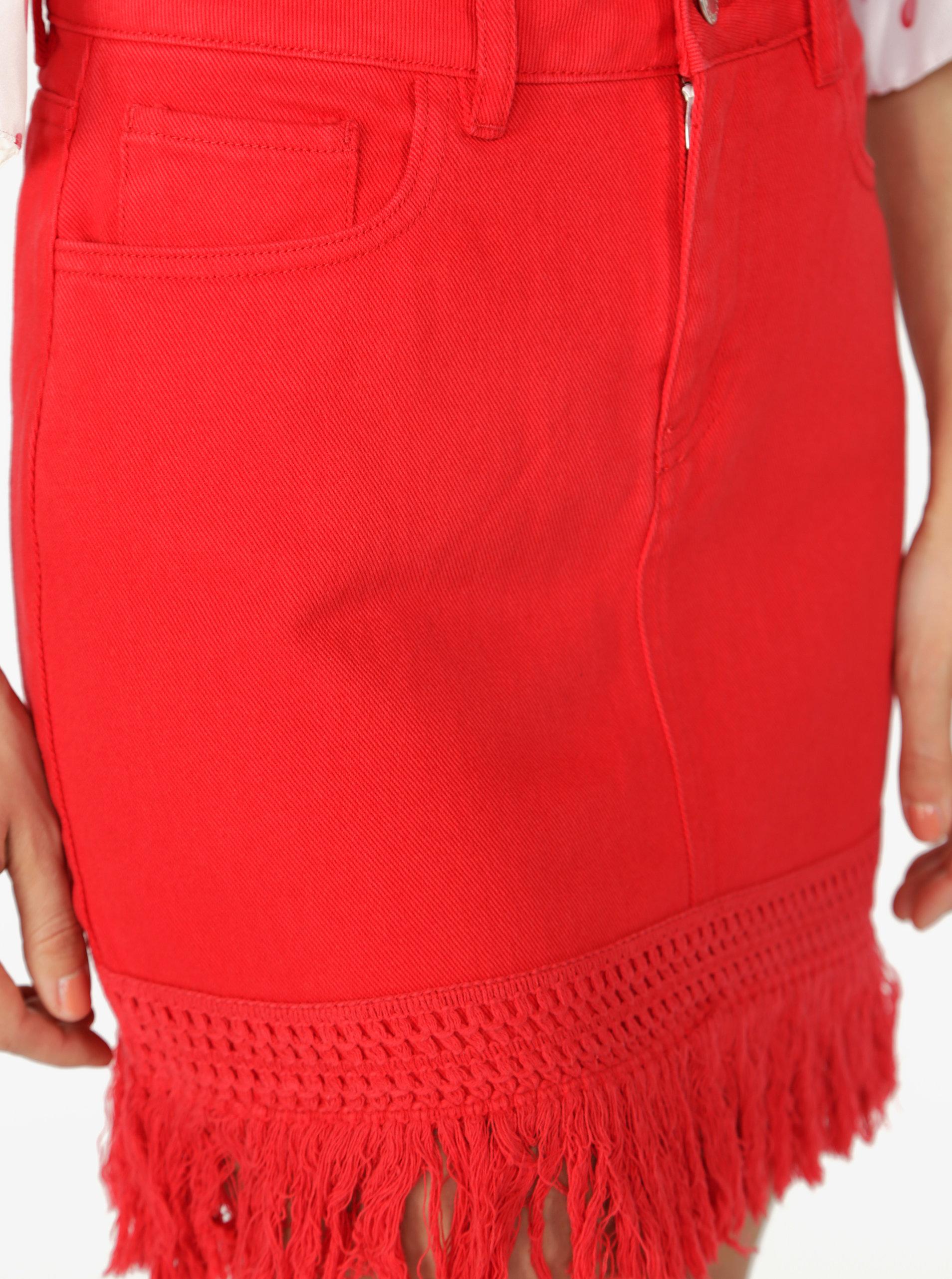 0c5d0baa3c8a Červená rifľová sukňa so strapcami Miss Selfridge ...