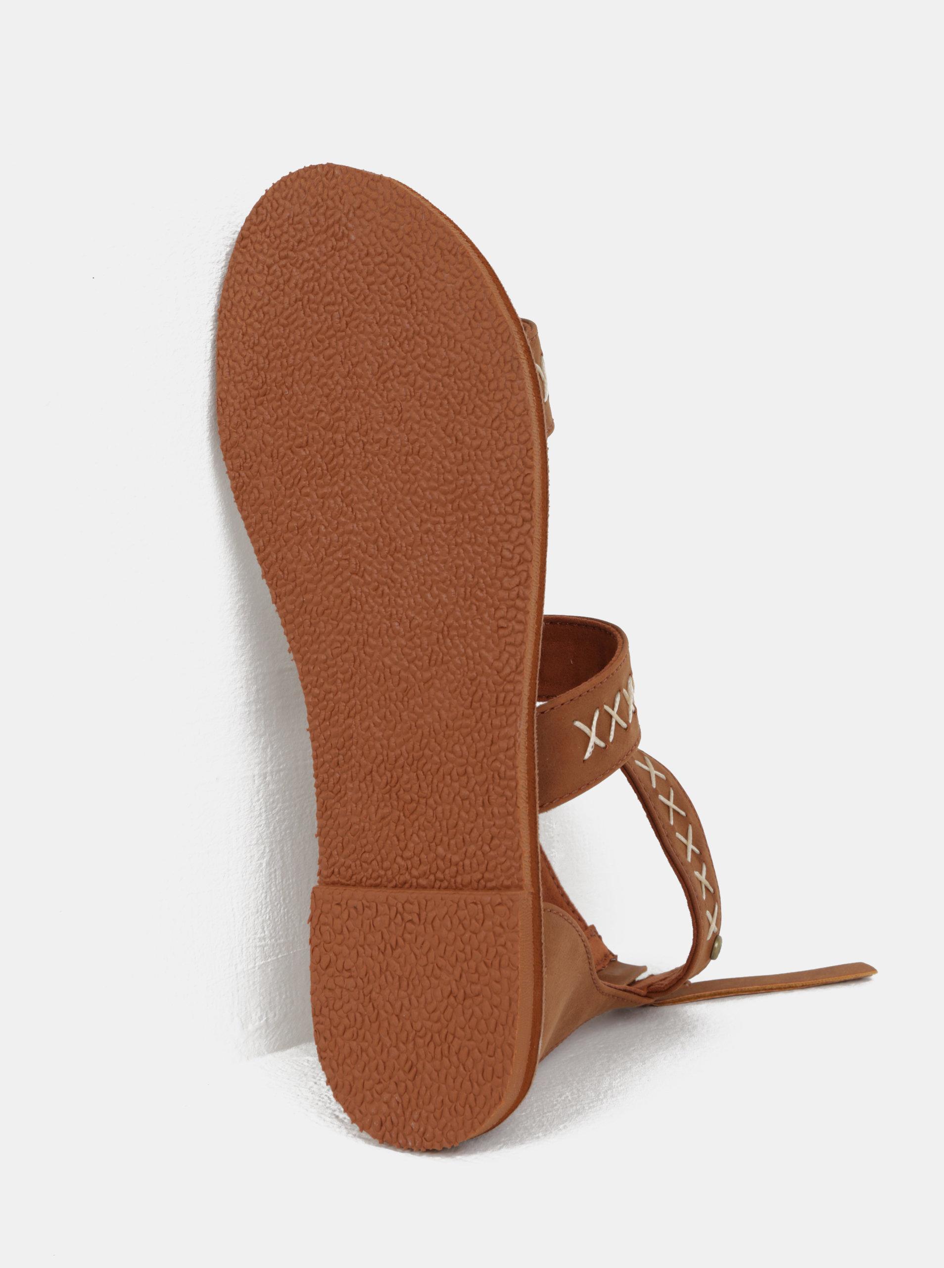 Hnedé dámske sandále s prešívaným vzorom Roxy Natalie ... b9a2992964