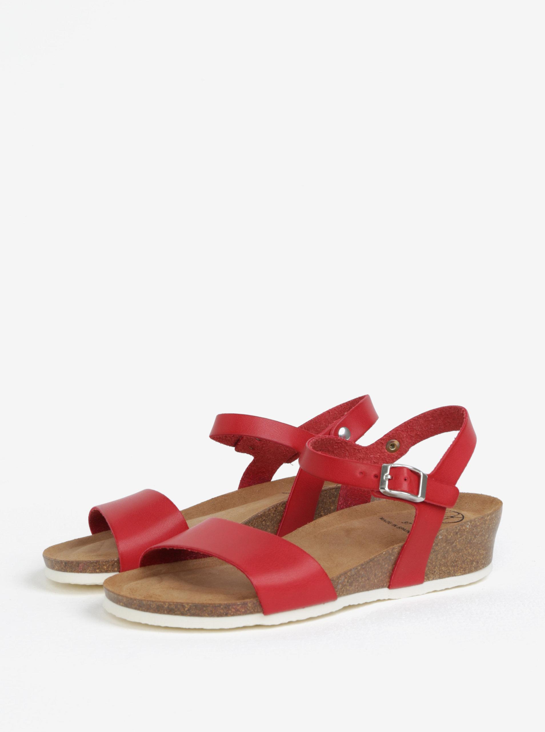b2ad1ff52558 Červené sandály na klínku OJJU ...