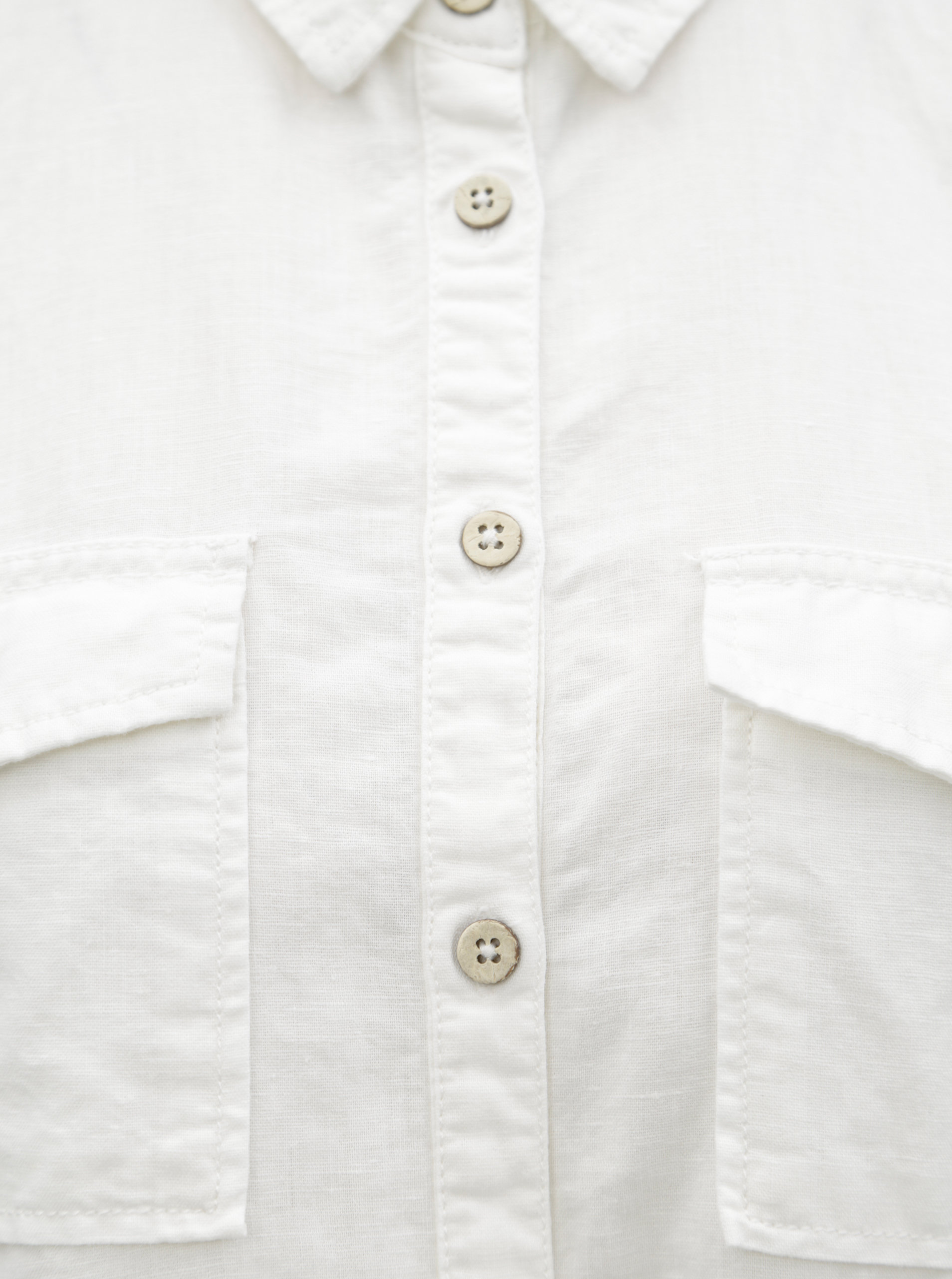 bf0297f8a824 Biela dámska ľanová košeľa s vreckami Garcia Jeans ...