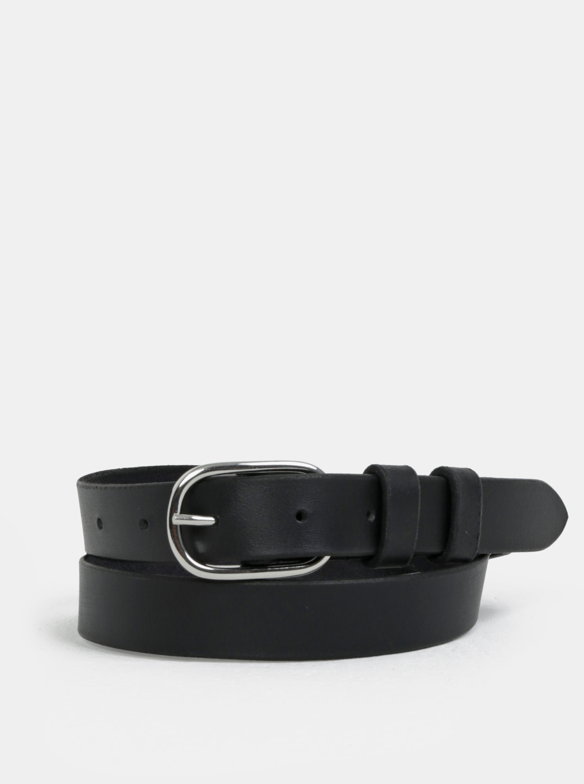 Černý kožený pásek se přezkou ve stříbrné barvě Pieces Darci