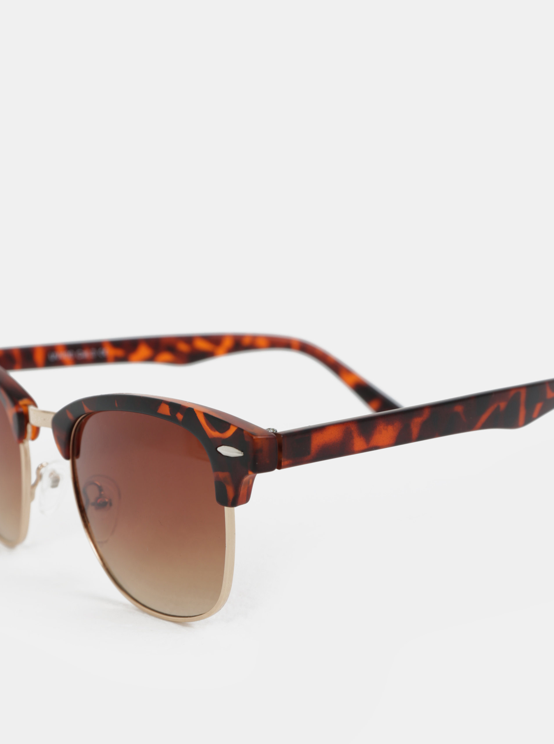 Hnedé slnečné okuliare s rámom v zlatej farbe ONLY   SONS Display ... da1232d0209