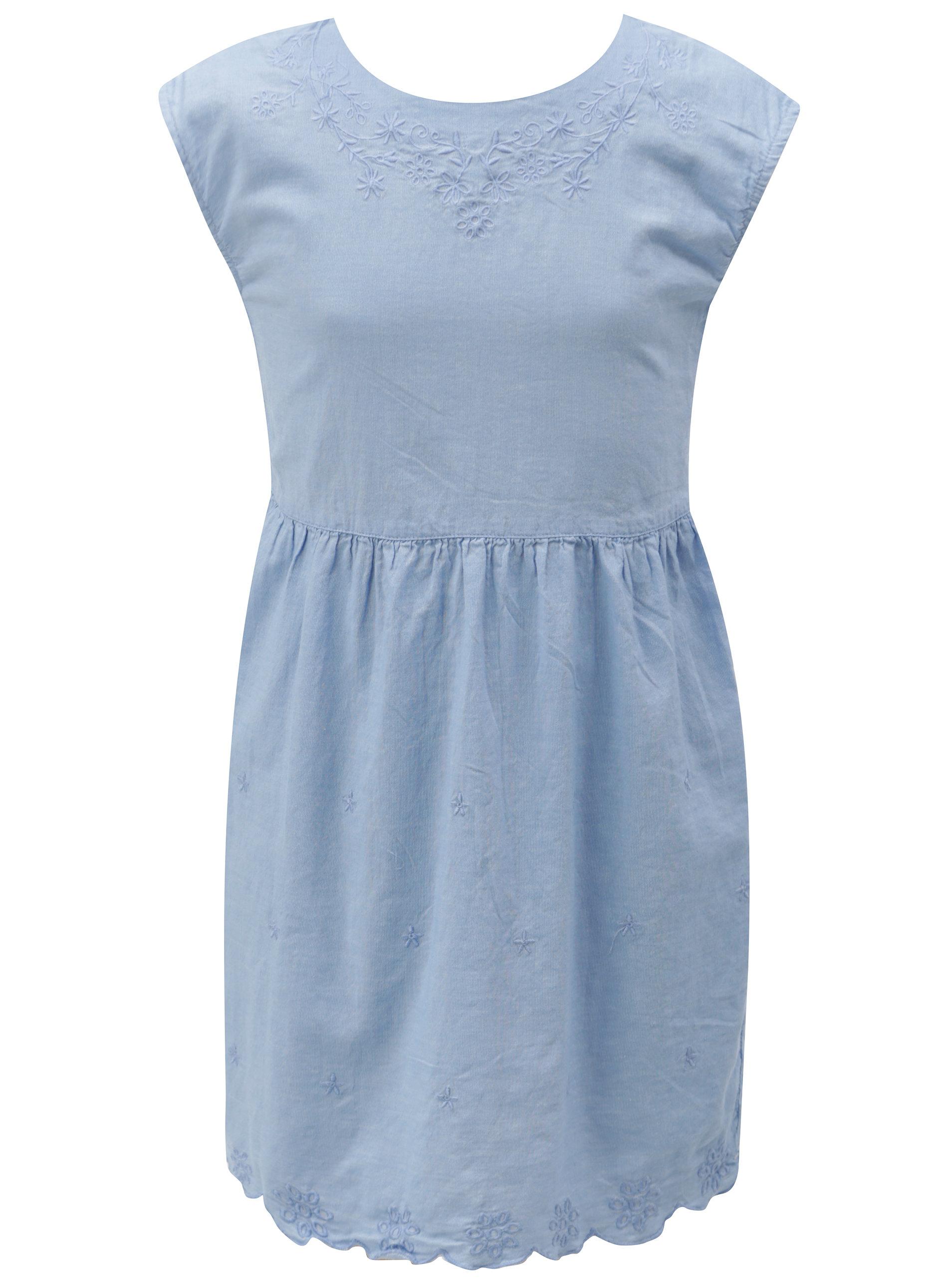 b5eb9d554cf Světle modré holčičí šaty s výšivkou a mašlí na zádech 5.10.15 ...