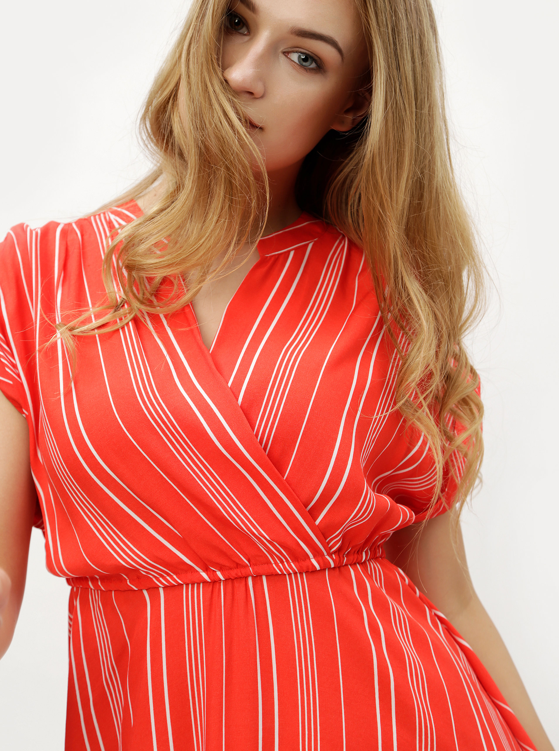 ... Červené pruhované šaty s překládaným výstřihem VERO MODA Laura ... f58bf6e5d7
