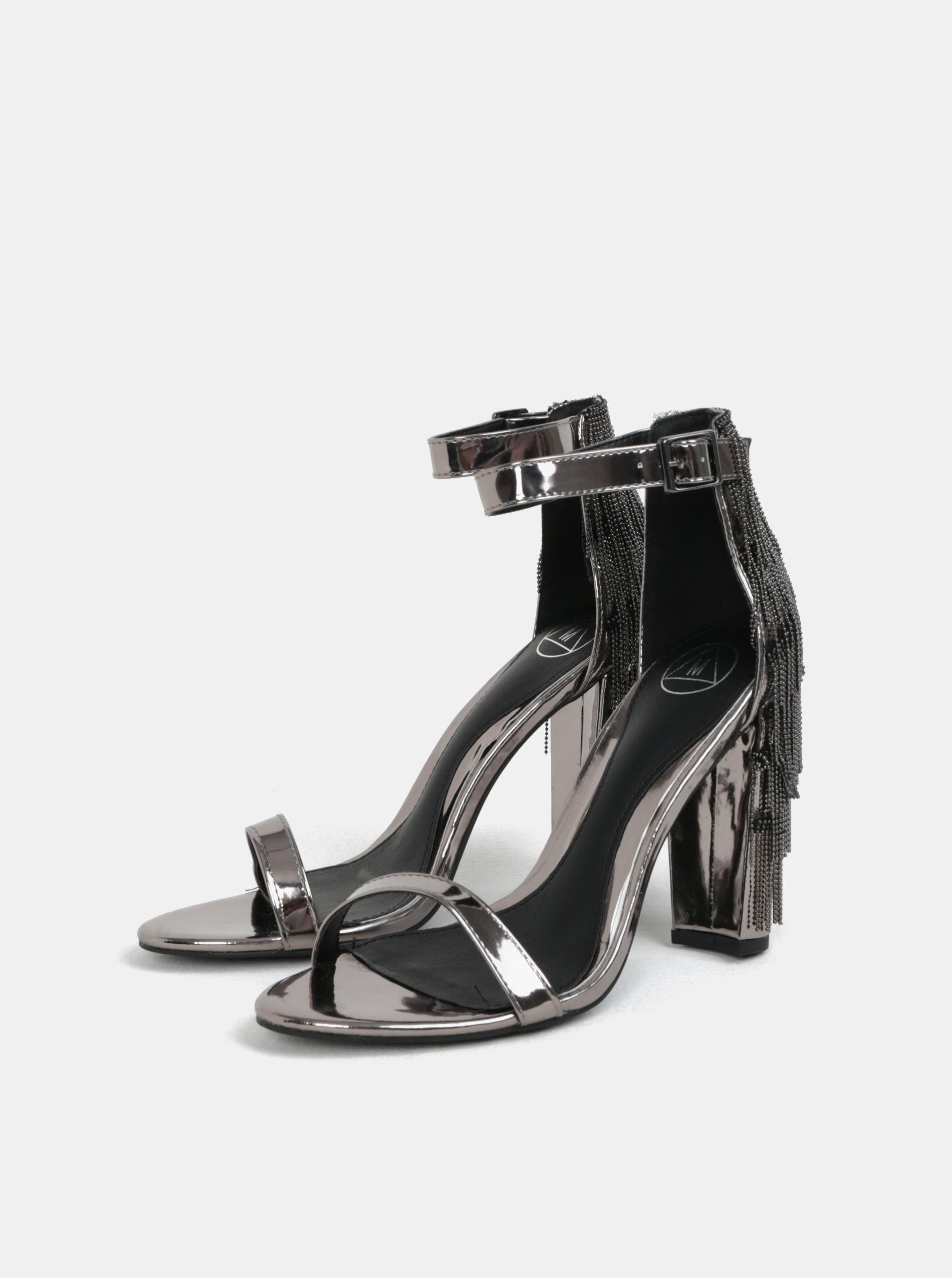 1730ccfc3822 Metalické sandálky na podpatku ve stříbrné barvě MISSGUIDED ...