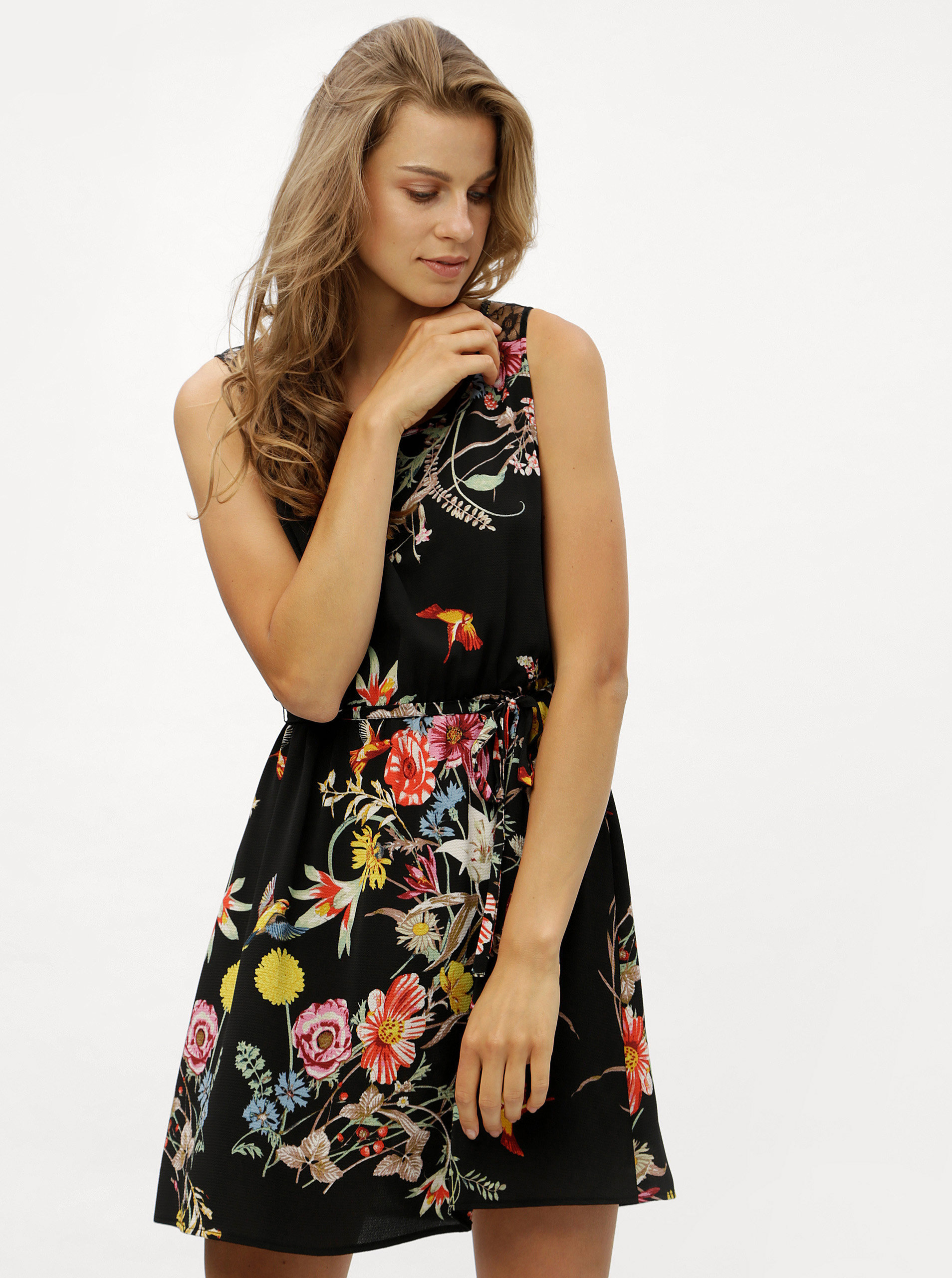 761ec511218 Černé květované šaty s krajkou na zádech ONLY Juliet ...