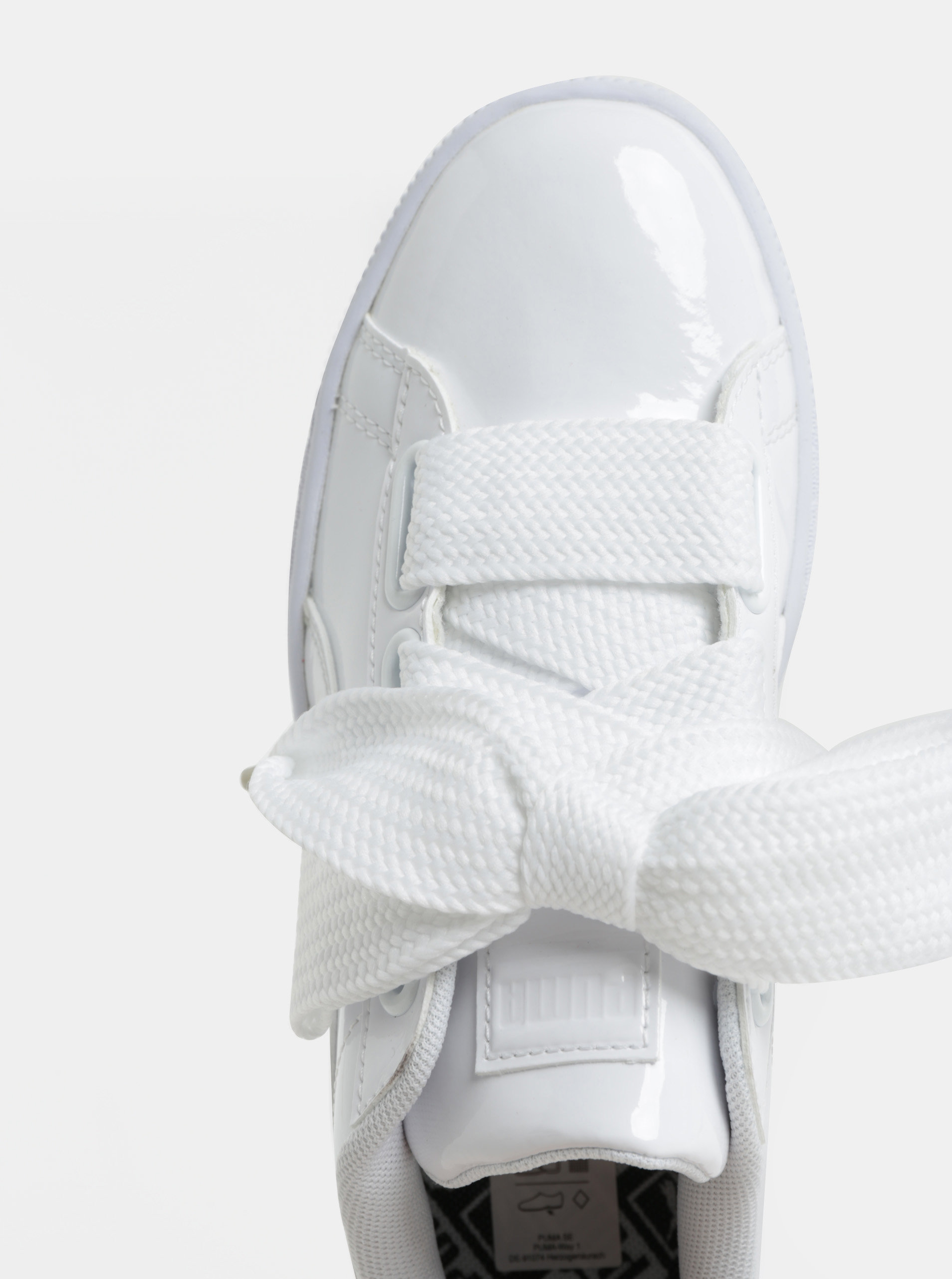50a745c3d9c2d Biele dámske lesklé tenisky so širokými šnúrkami Puma Basket Heart ...