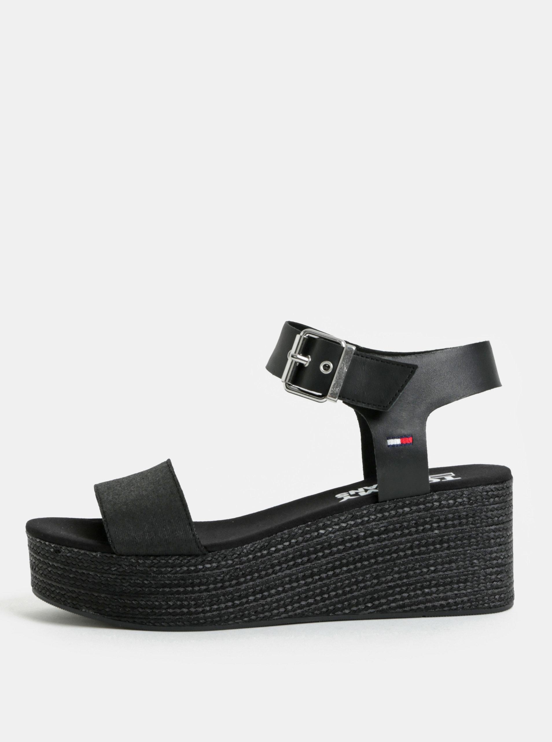 200579f68d Čierne dámske sandále na klinovom podpätku Tommy Hilfiger ...