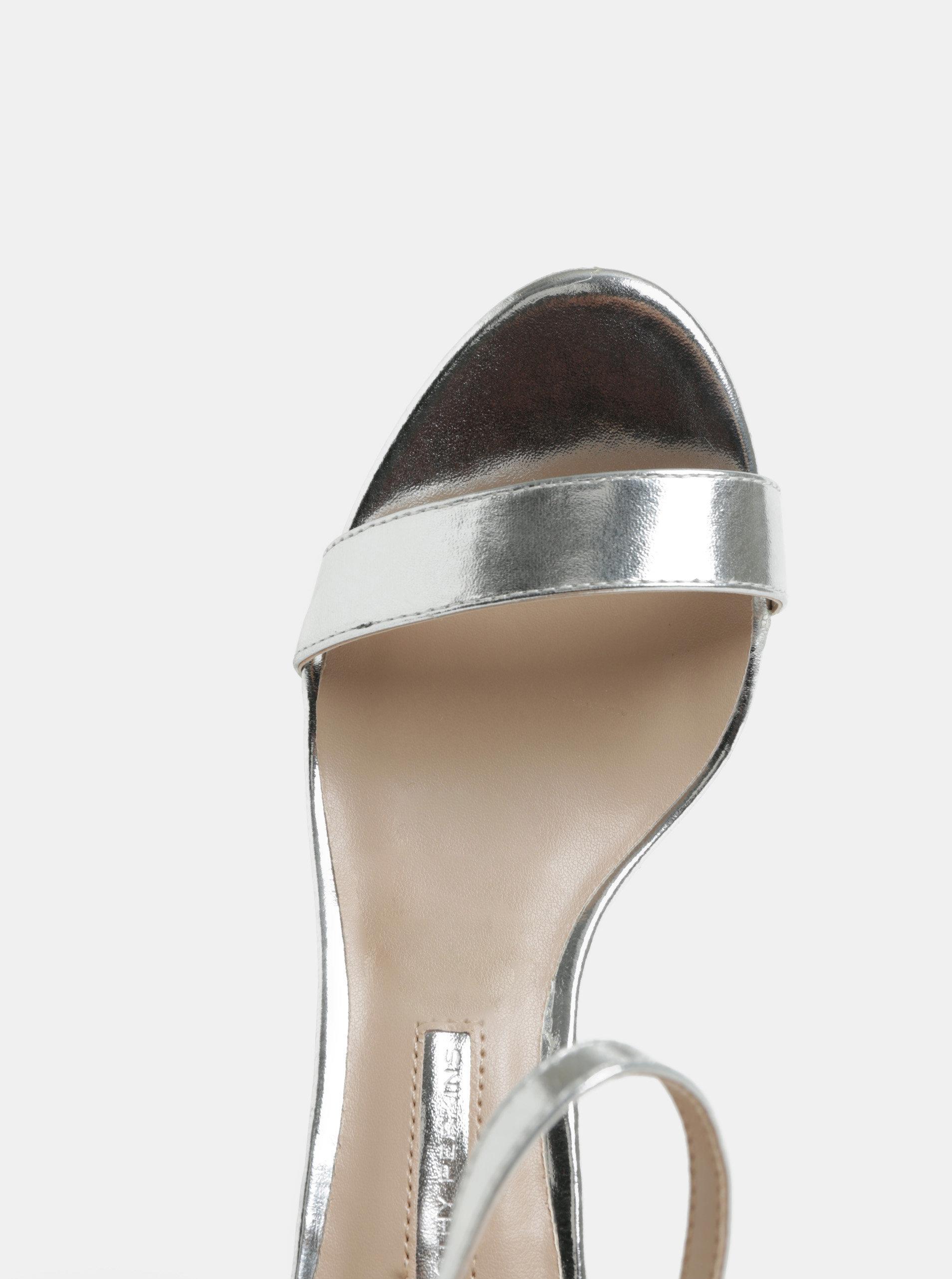 e4626b8734f Sandálky ve stříbrné barvě na jehlovém podpatku Dorothy Perkins Sunset ...