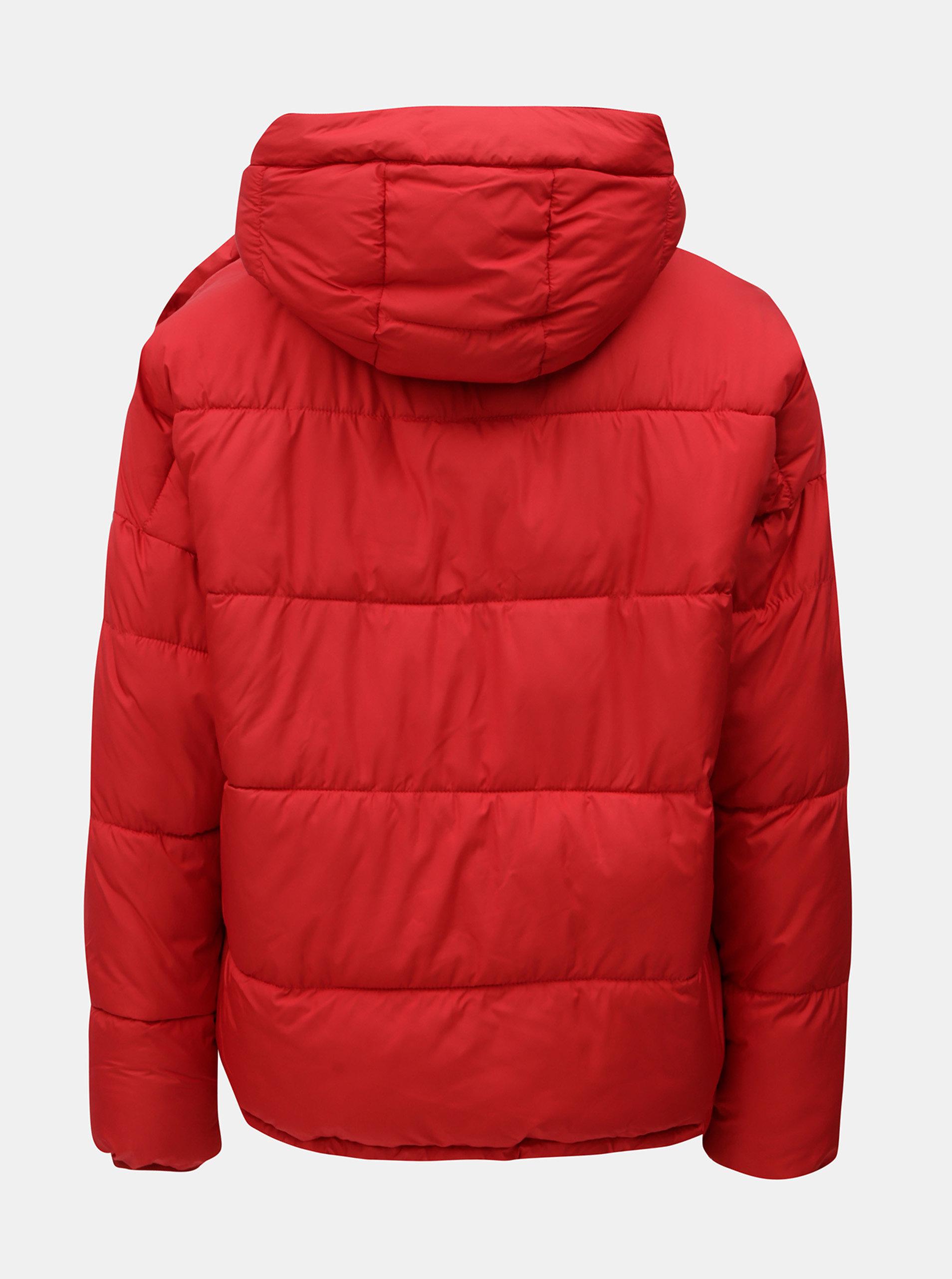 fdd4381335a2 Červená zimná bunda s odopínateľným šálom VERO MODA ...