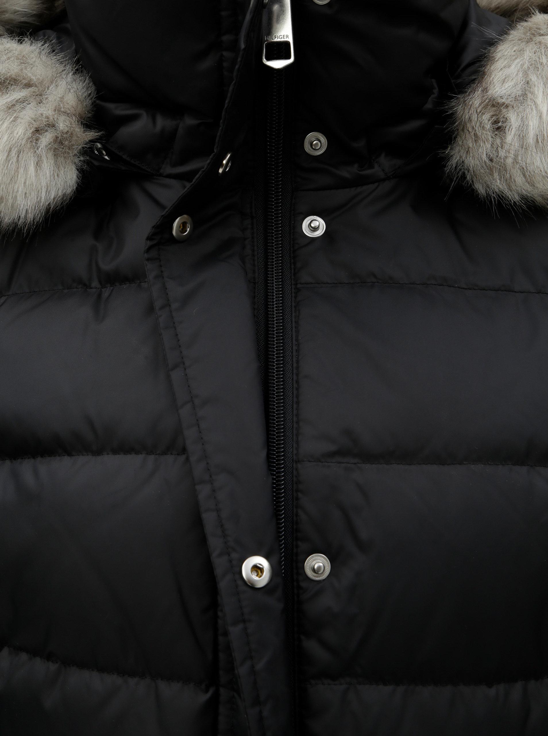 c926bfd8a9 Čierna dámska páperová prešívaná zimná bunda Tommy Hilfiger ...