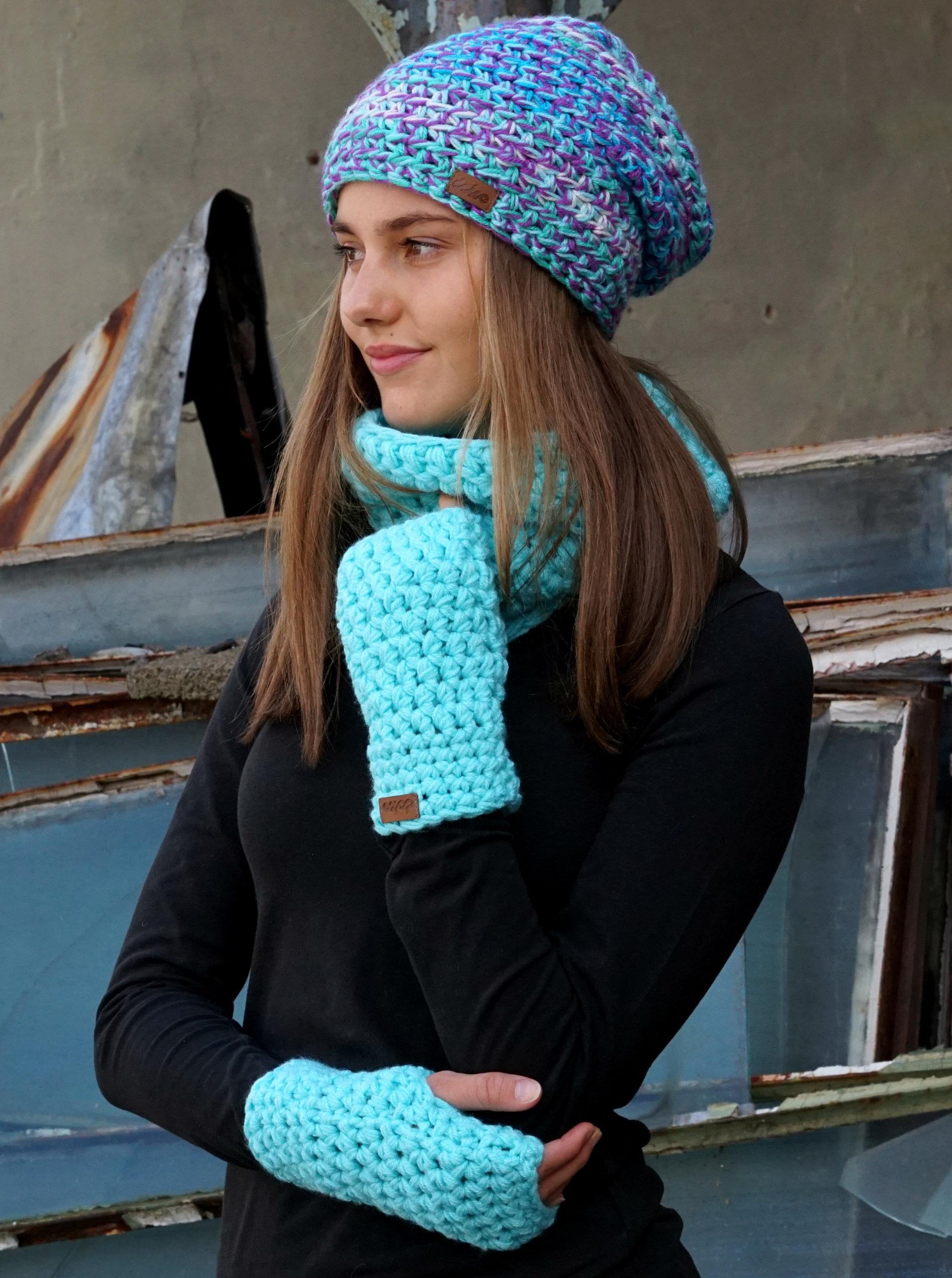 9beb618636d Tyrkysový pletený nákrčník DOKE ...