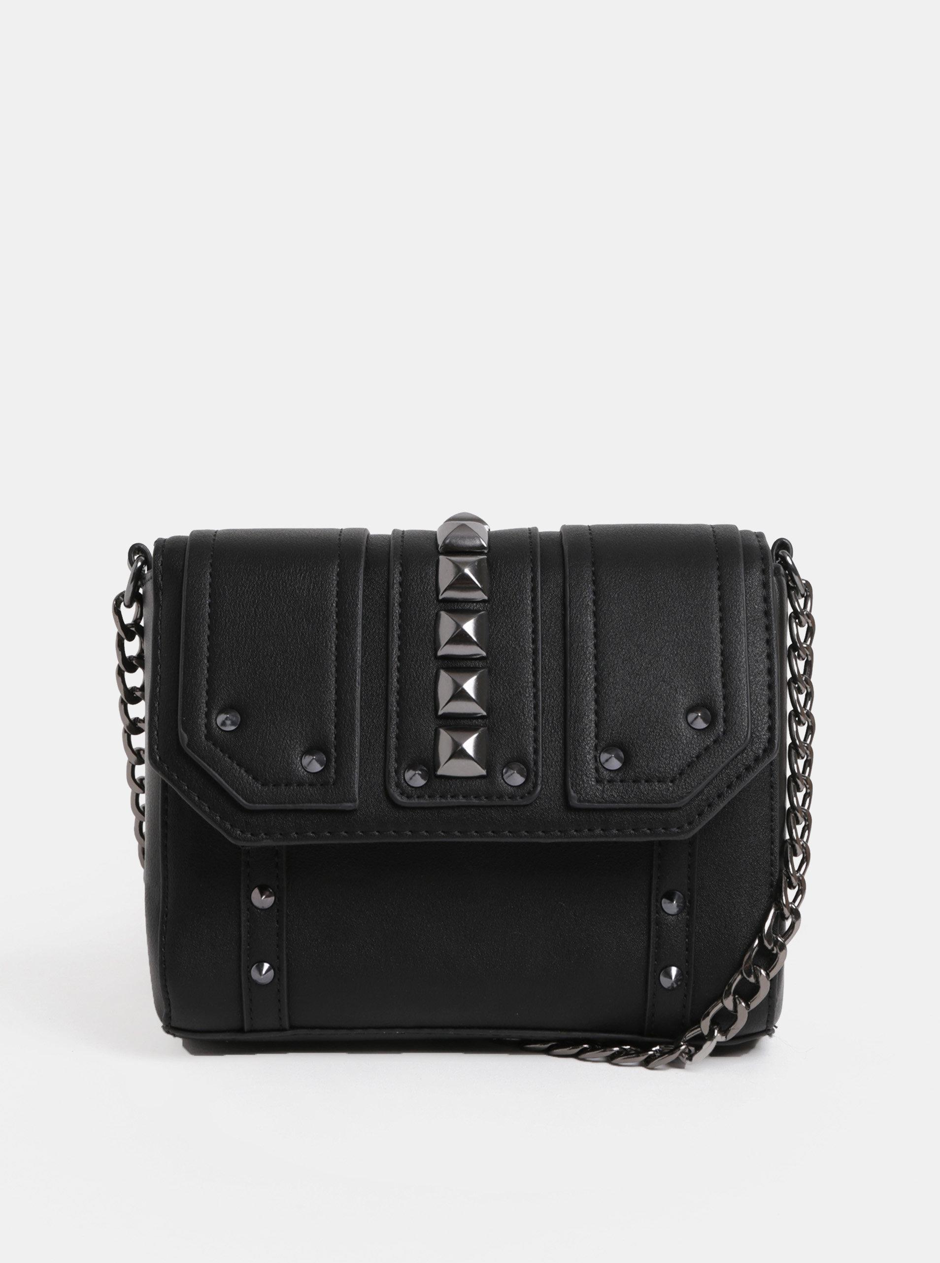 Černá crossbody kabelka s kovovými detaily Pieces Samino