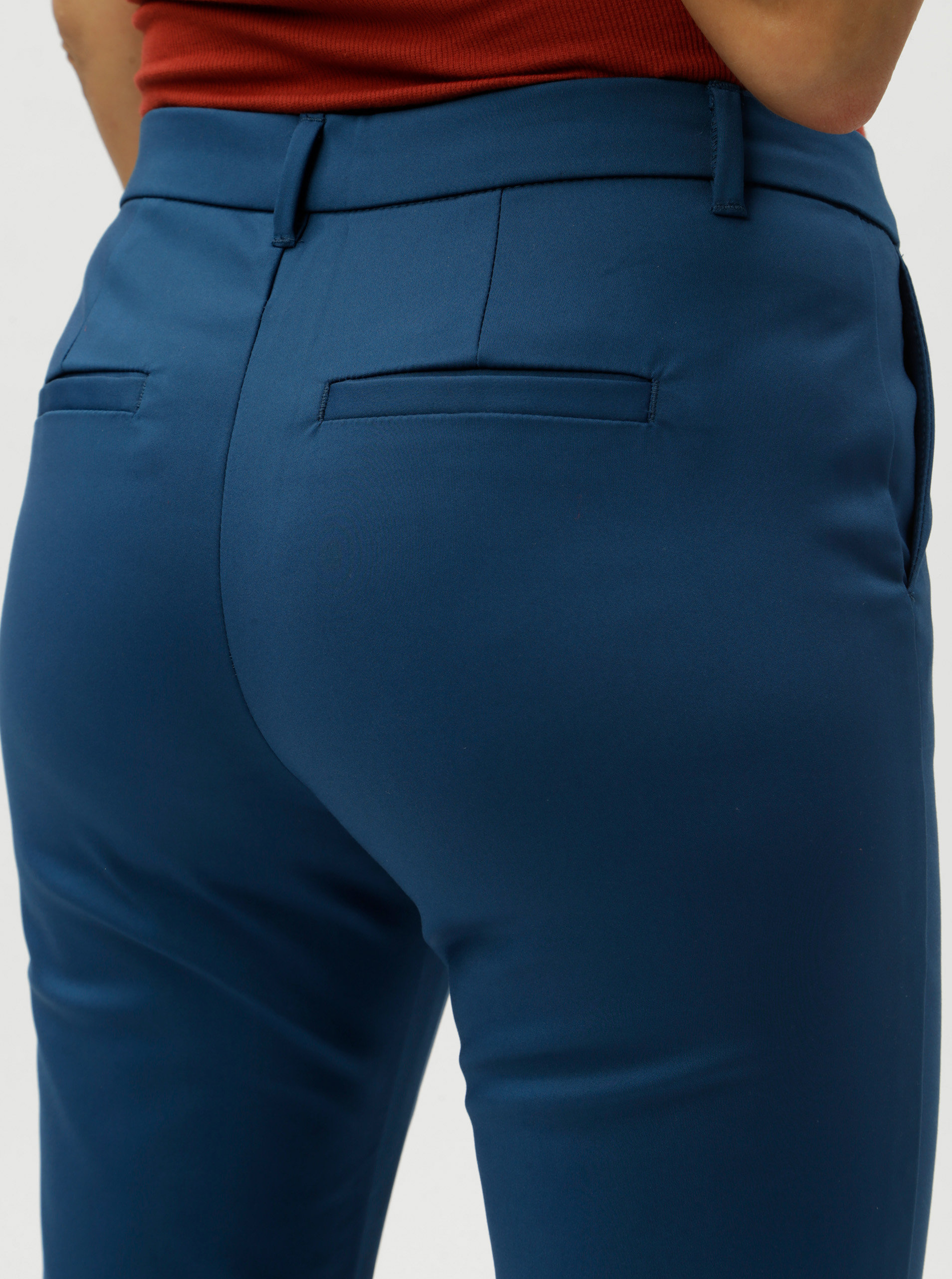 46eaa6eaa411 Modré chino nohavice VERO MODA Leah ...