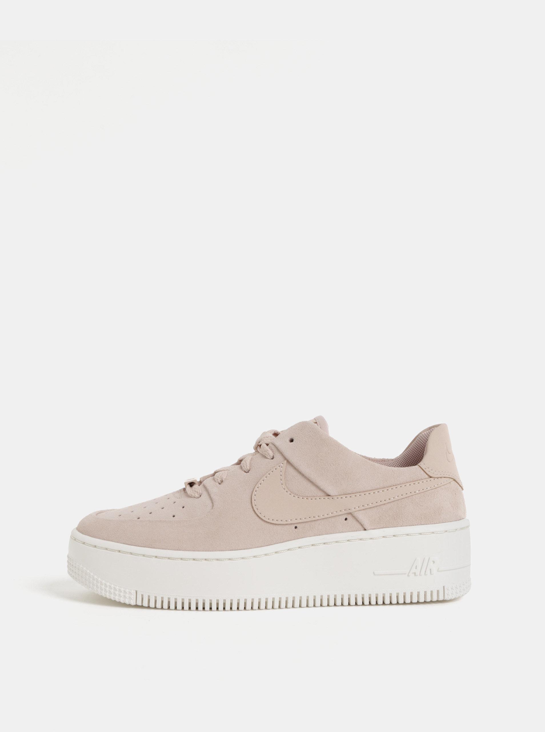 Ružové dámske semišové tenisky na platforme Nike Air Force 1 ... b68aa0398a8