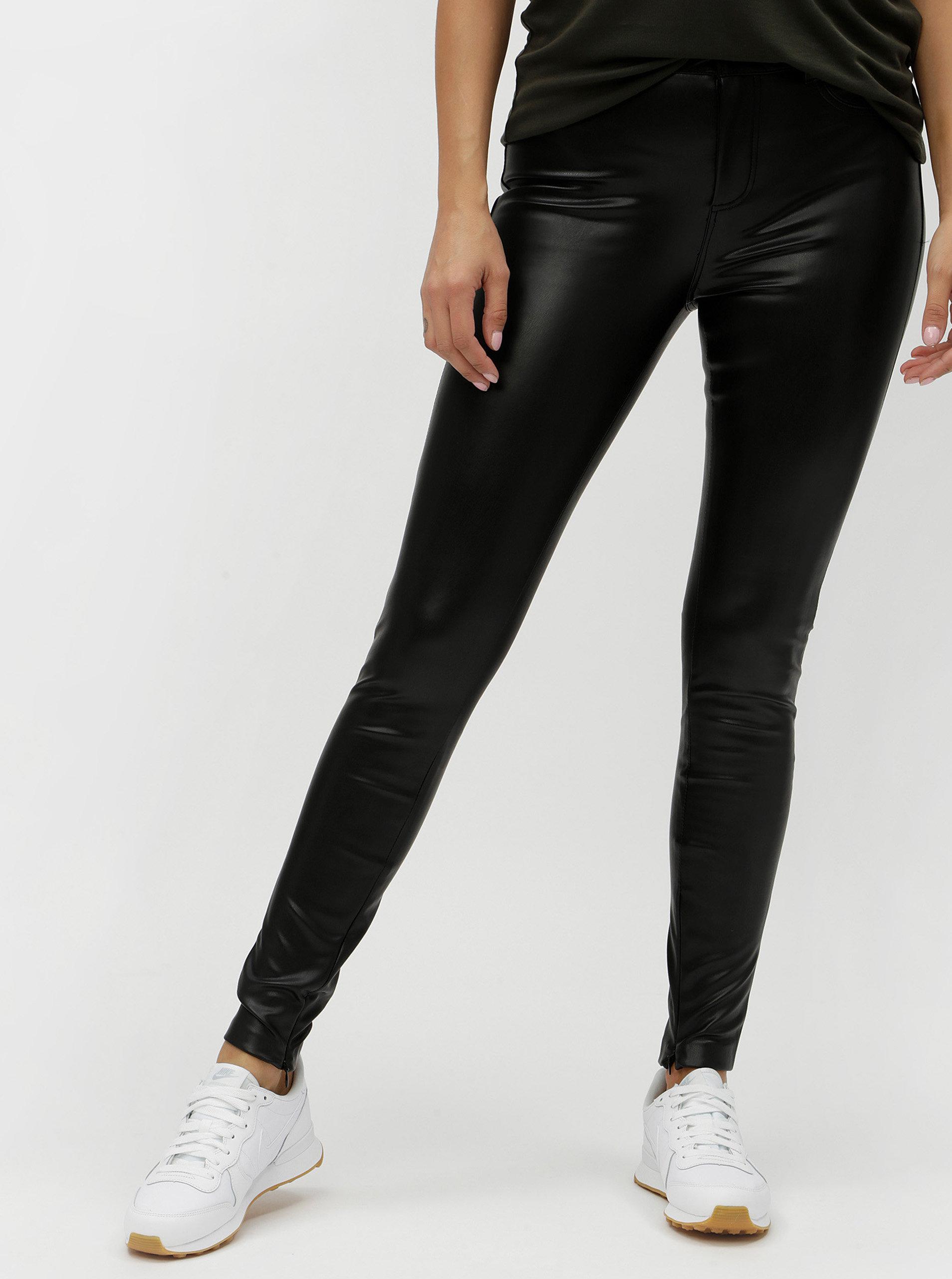 e81c65fdc9c5 Černé koženkové skinny kalhoty ONLY ...