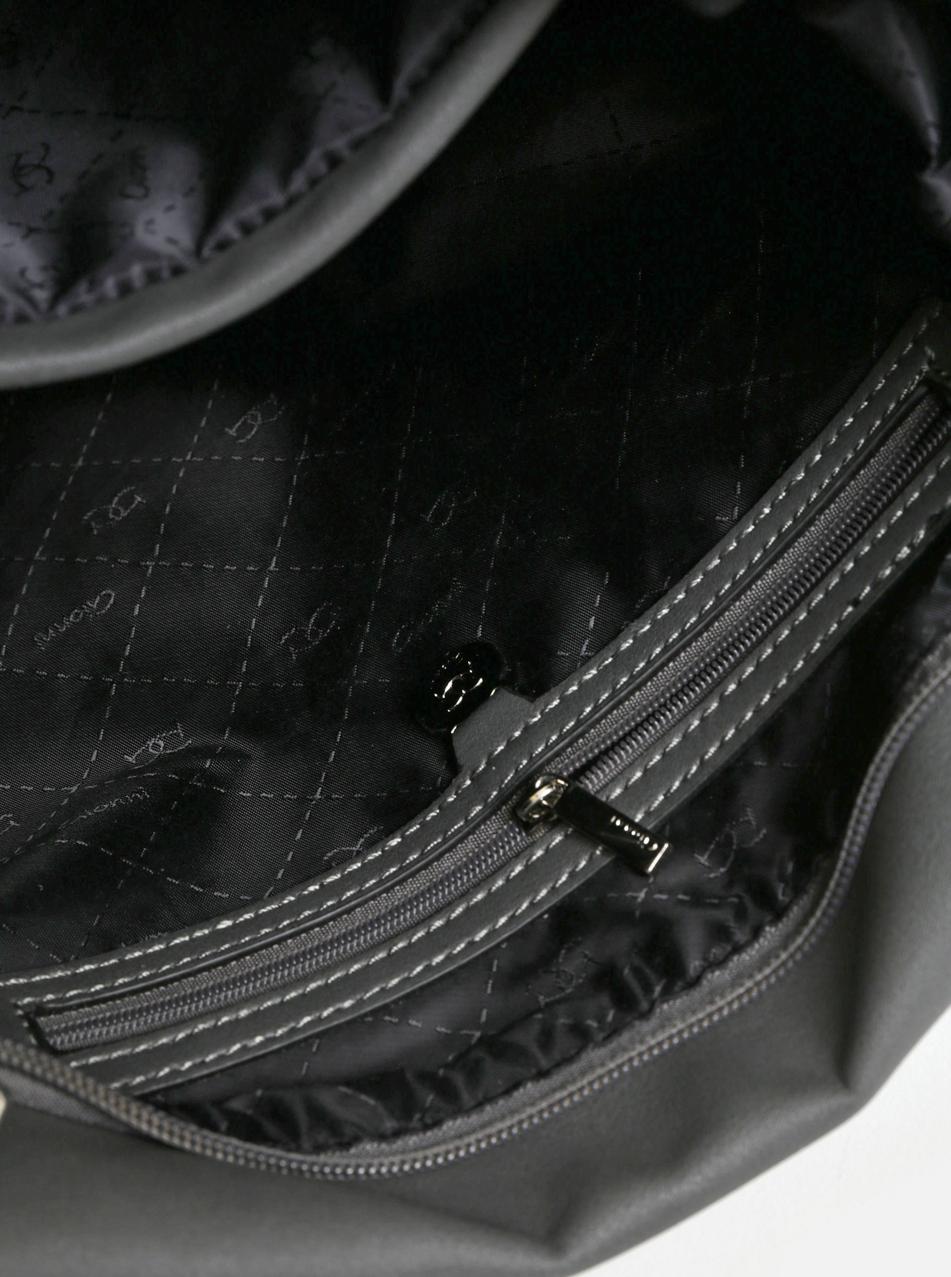 Tmavě šedá kabelka přes rameno s detaily ve stříbrné barvě Gionni Jasmine  ... 7ef3b2dd88c