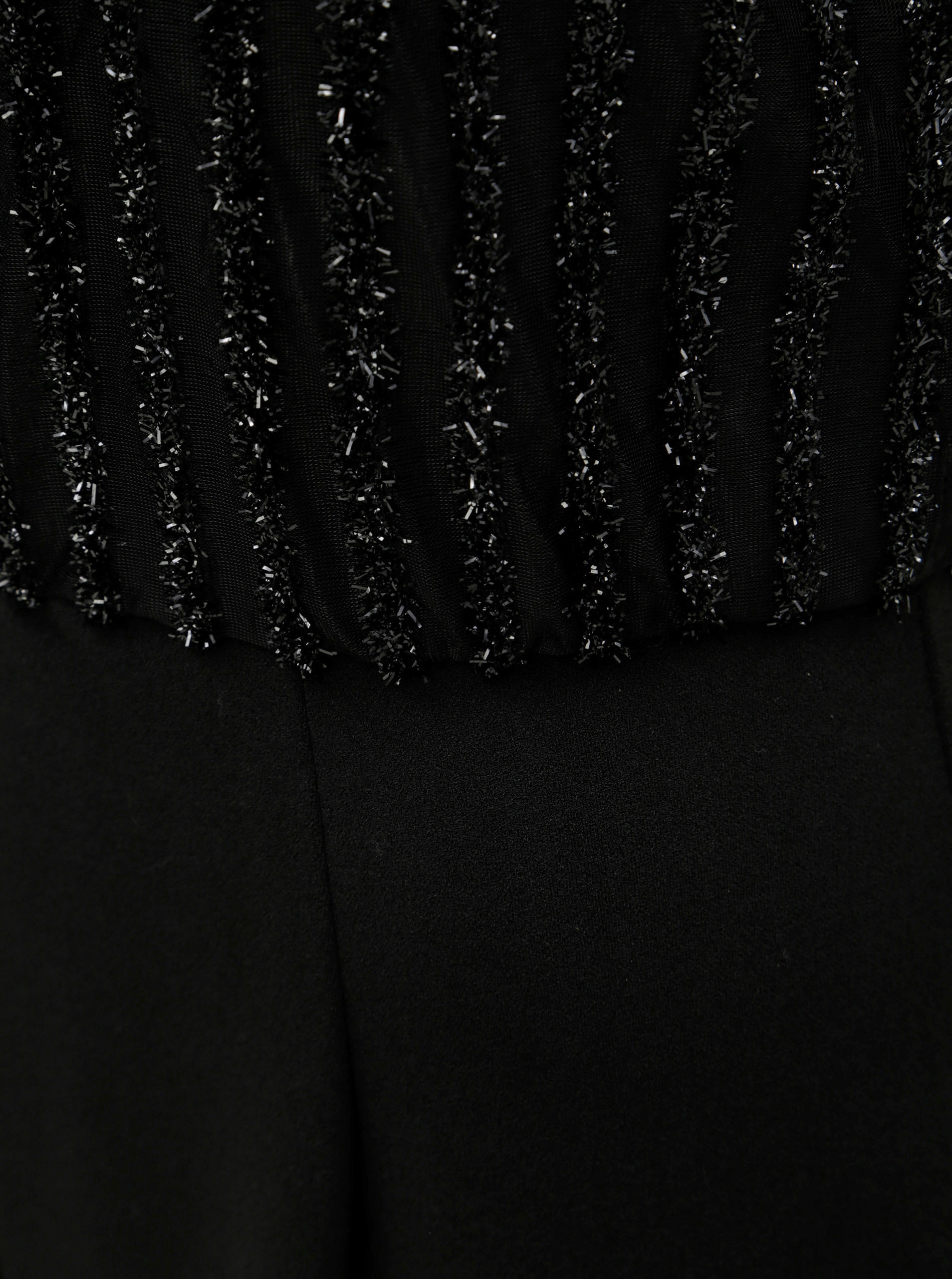dlhá čierna pron