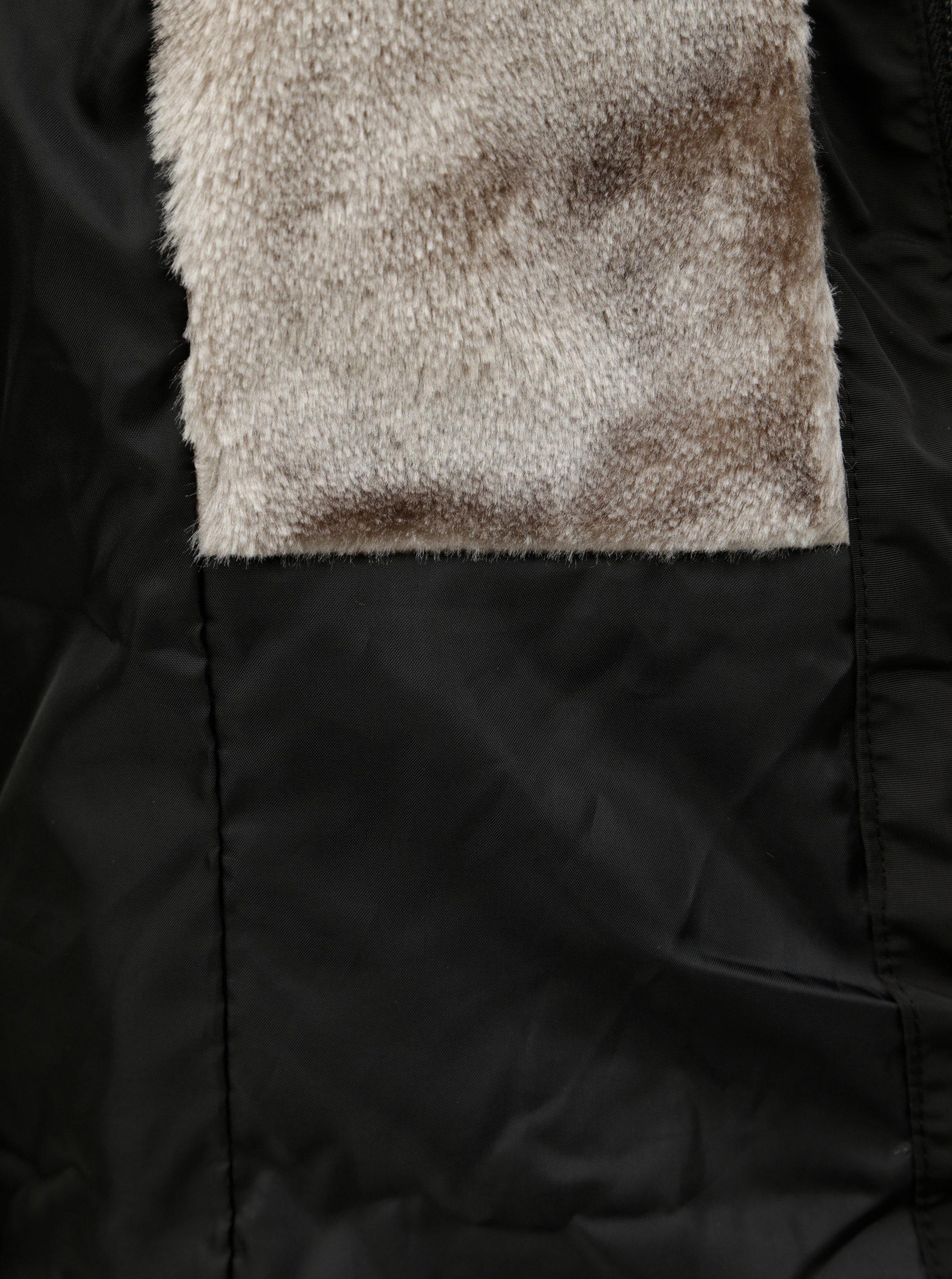 Čierna prešívaná zimná bunda s umelou kožušinkou ONLY Vigga ... 972425eee07
