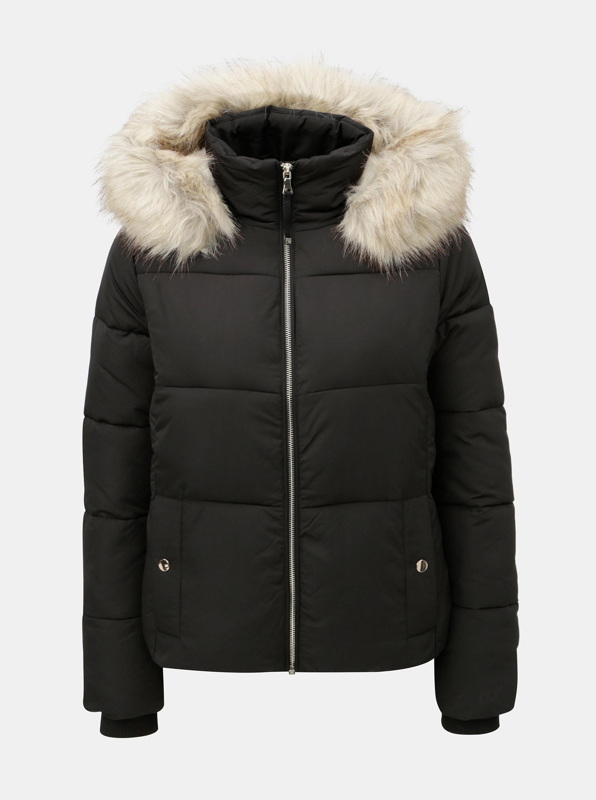 2ff6e0eed2d0 Čierna prešívaná zimná bunda s odnímateľnou umelou kožušinkou na kapucni Miss  Selfridge Puffer ...