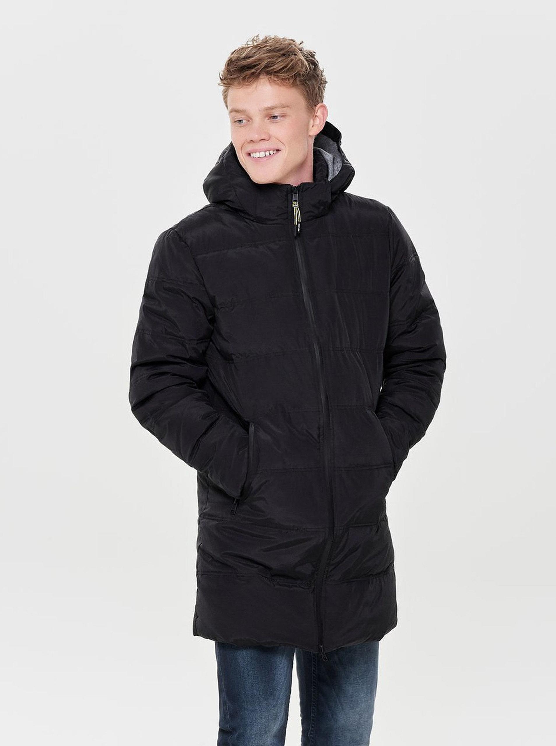 Čierna zimná dlhá prešívaná bunda ONLY   SONS Steen ... 3b1768d7def