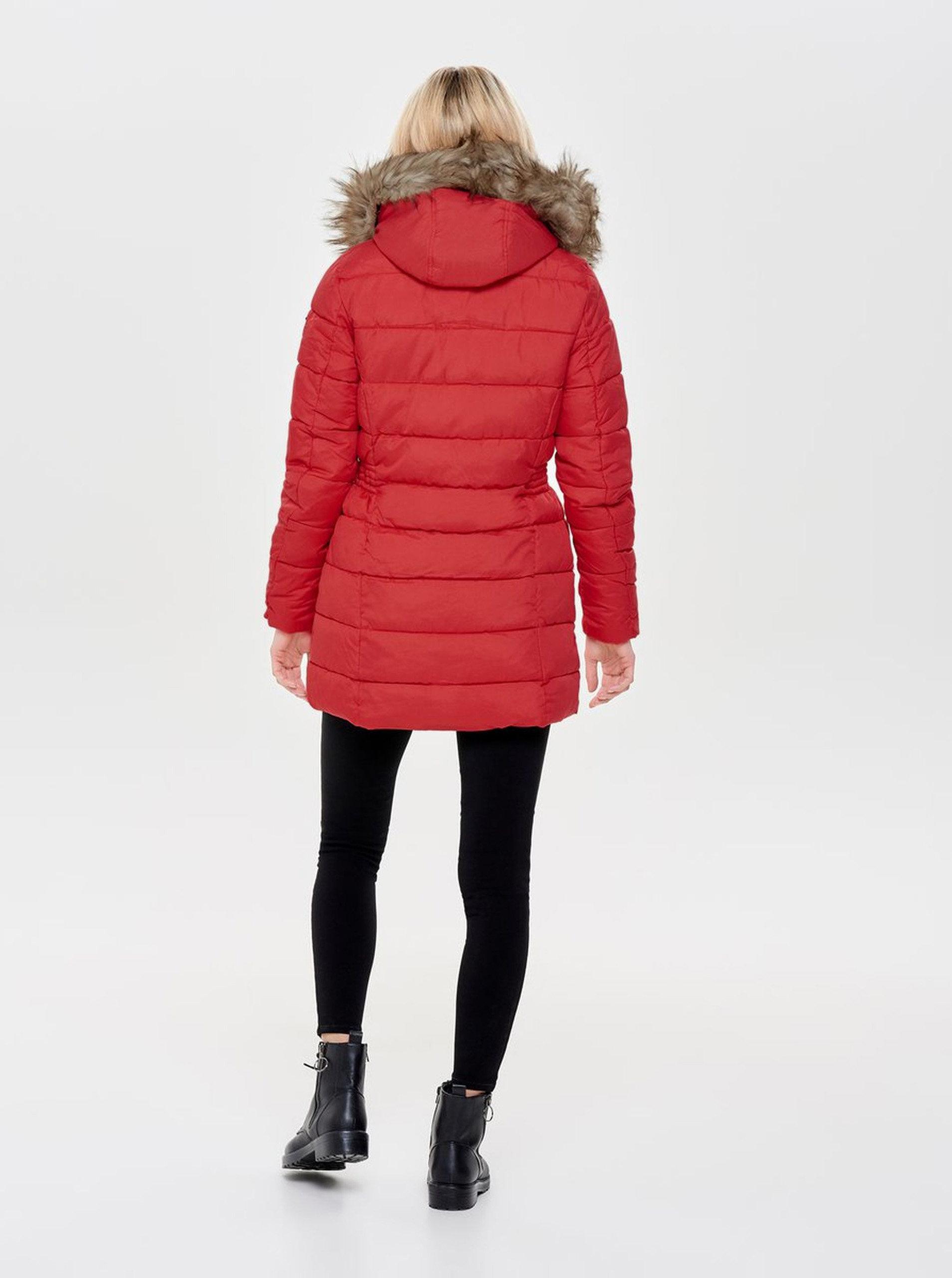 Červený prošívaný kabát s umělým kožíškem ONLY North ... ca40aa8f35
