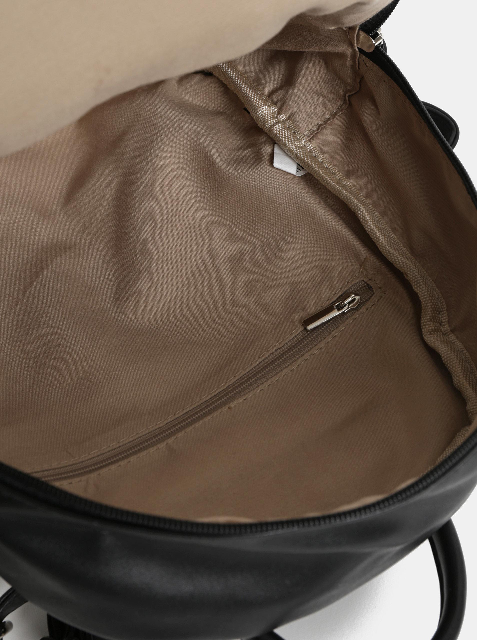 Čierny koženkový batoh s predným vreckom ZOOT ... d76cb432568