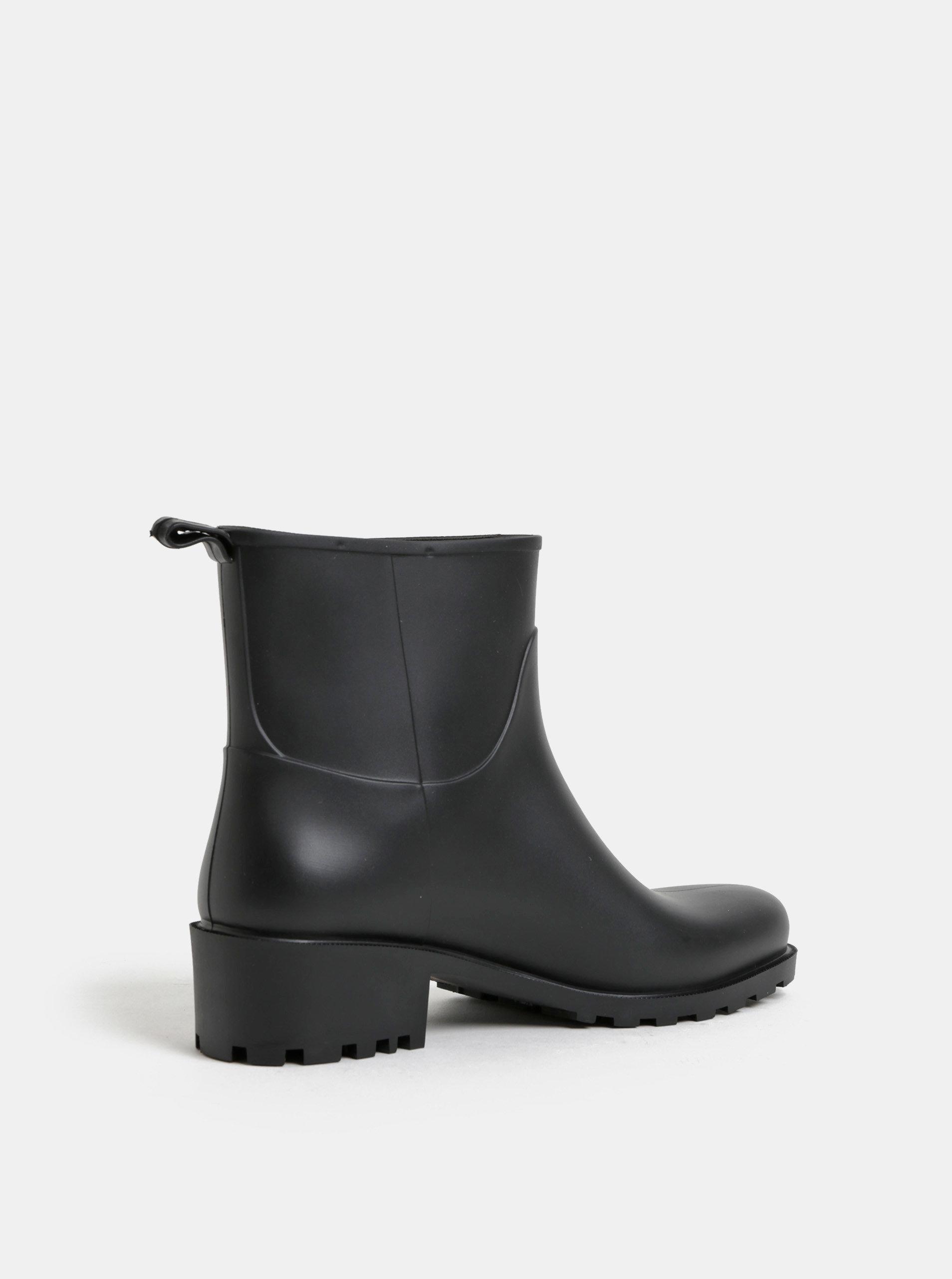 f754a6057aff Čierne gumové členkové topánky na podpätku OJJU ...