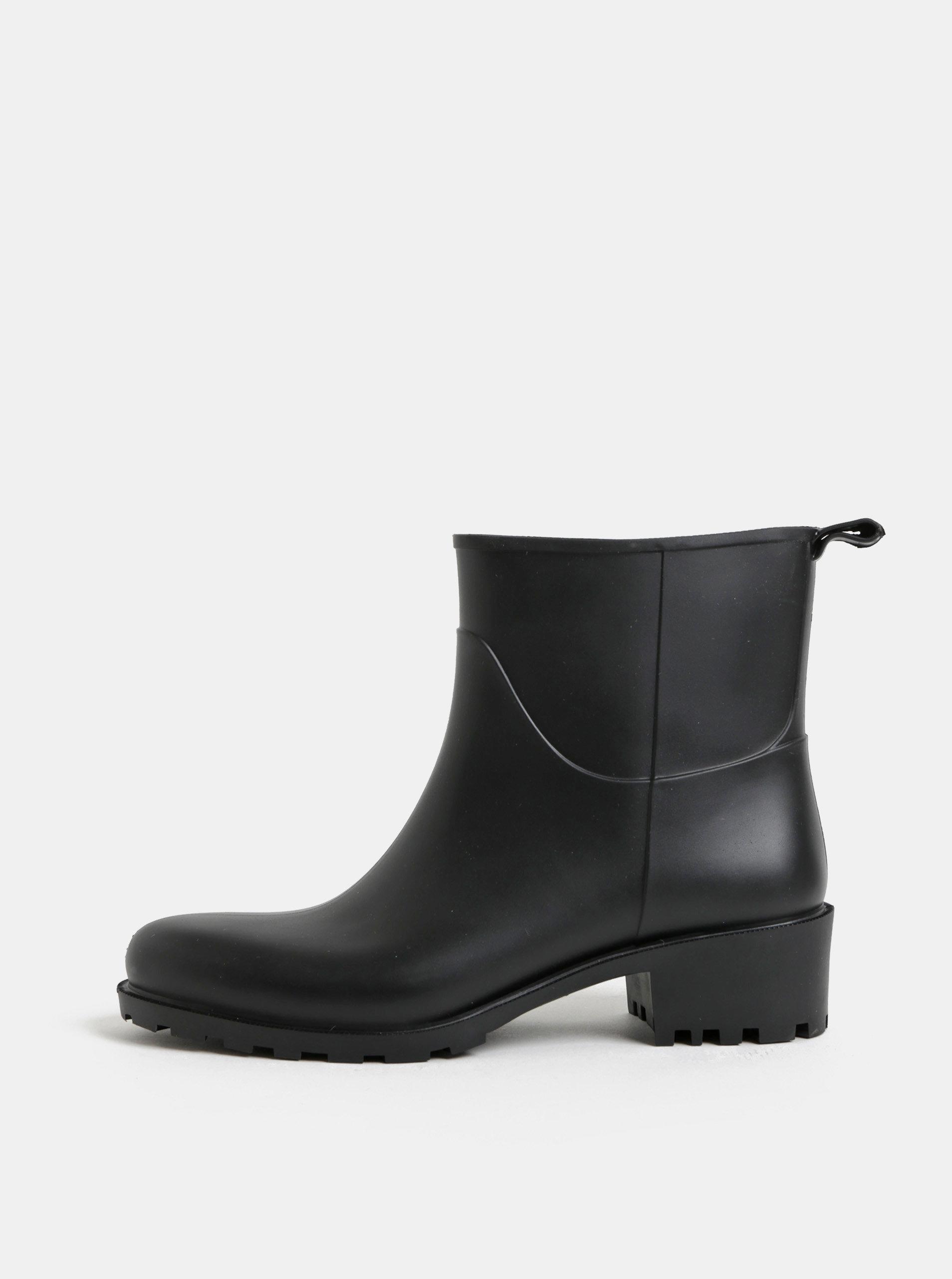 Čierne gumové členkové topánky na podpätku OJJU ... dc6dadac277