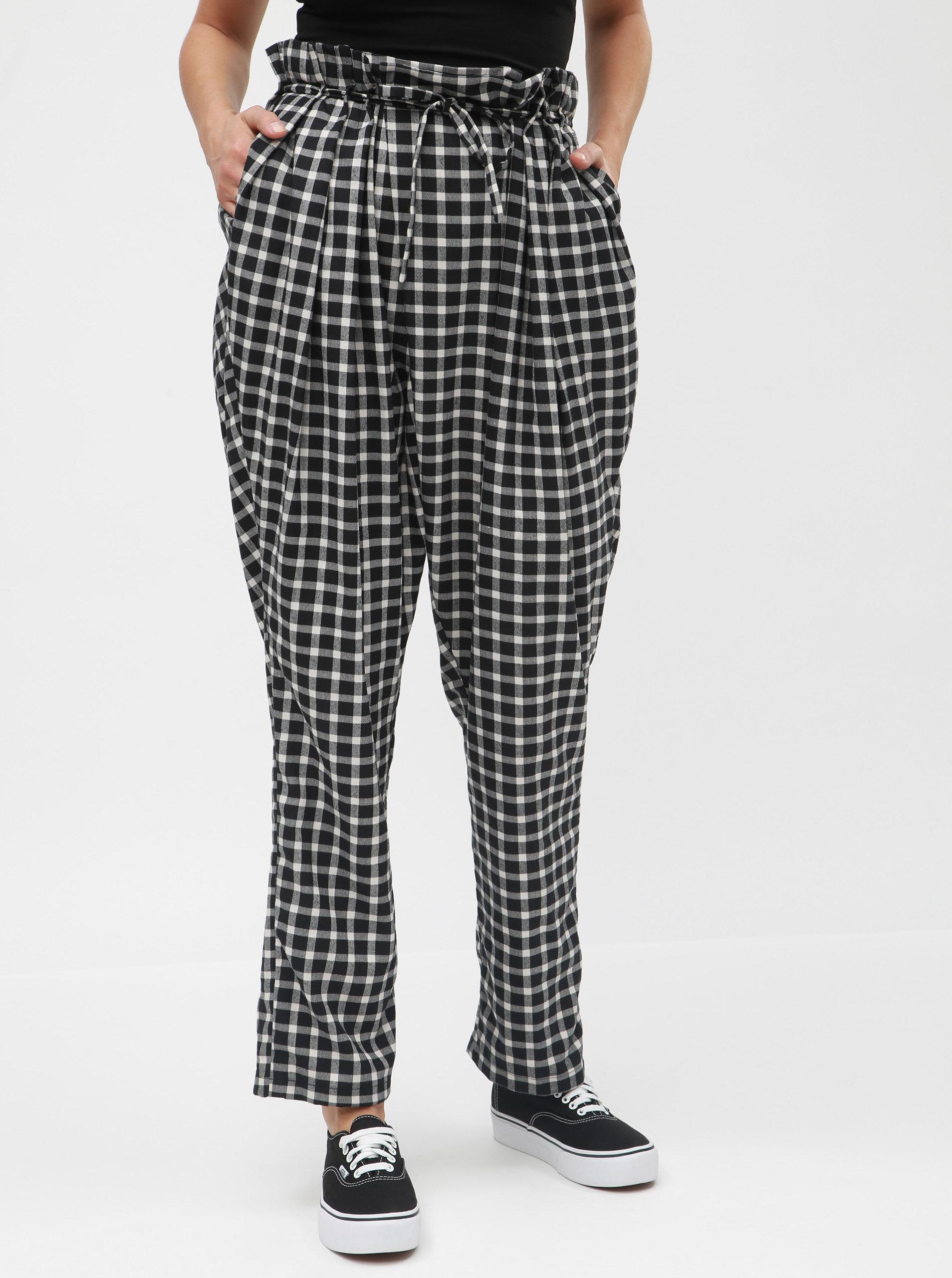 a4db63b5ef5 Bílo-černé kostkované kalhoty s vysokým pasem a páskem La femme MiMi ...