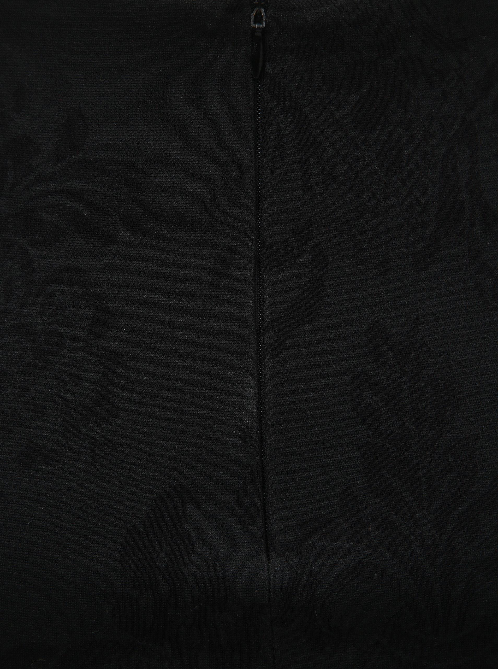 0b74ca79d3d7 Čierna kvetovaná sukňa s rozparkom v zadnej časti SEVERANKA ...