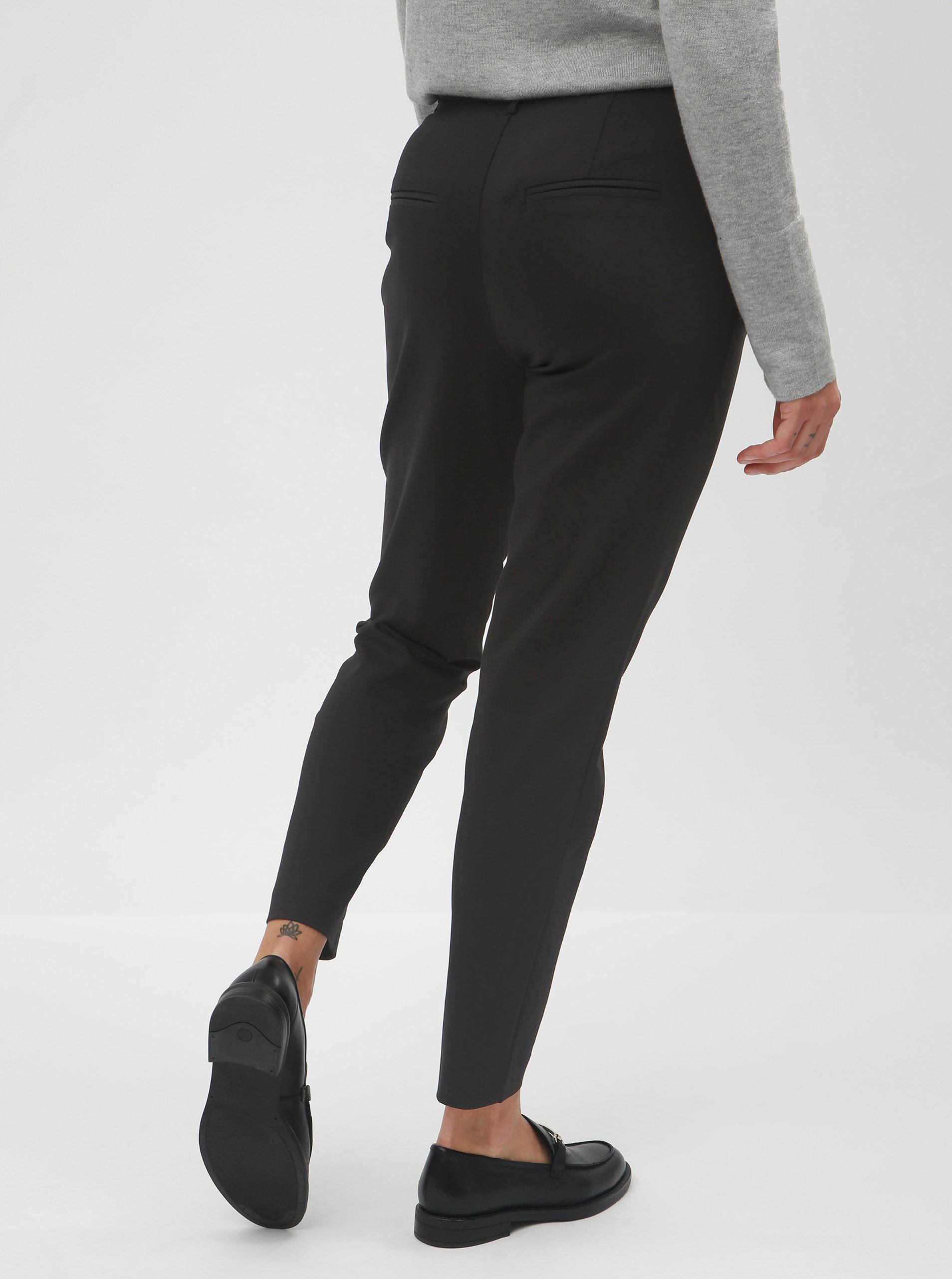 efa169ba4de0 Čierne kostýmové nohavice VILA Delia ...