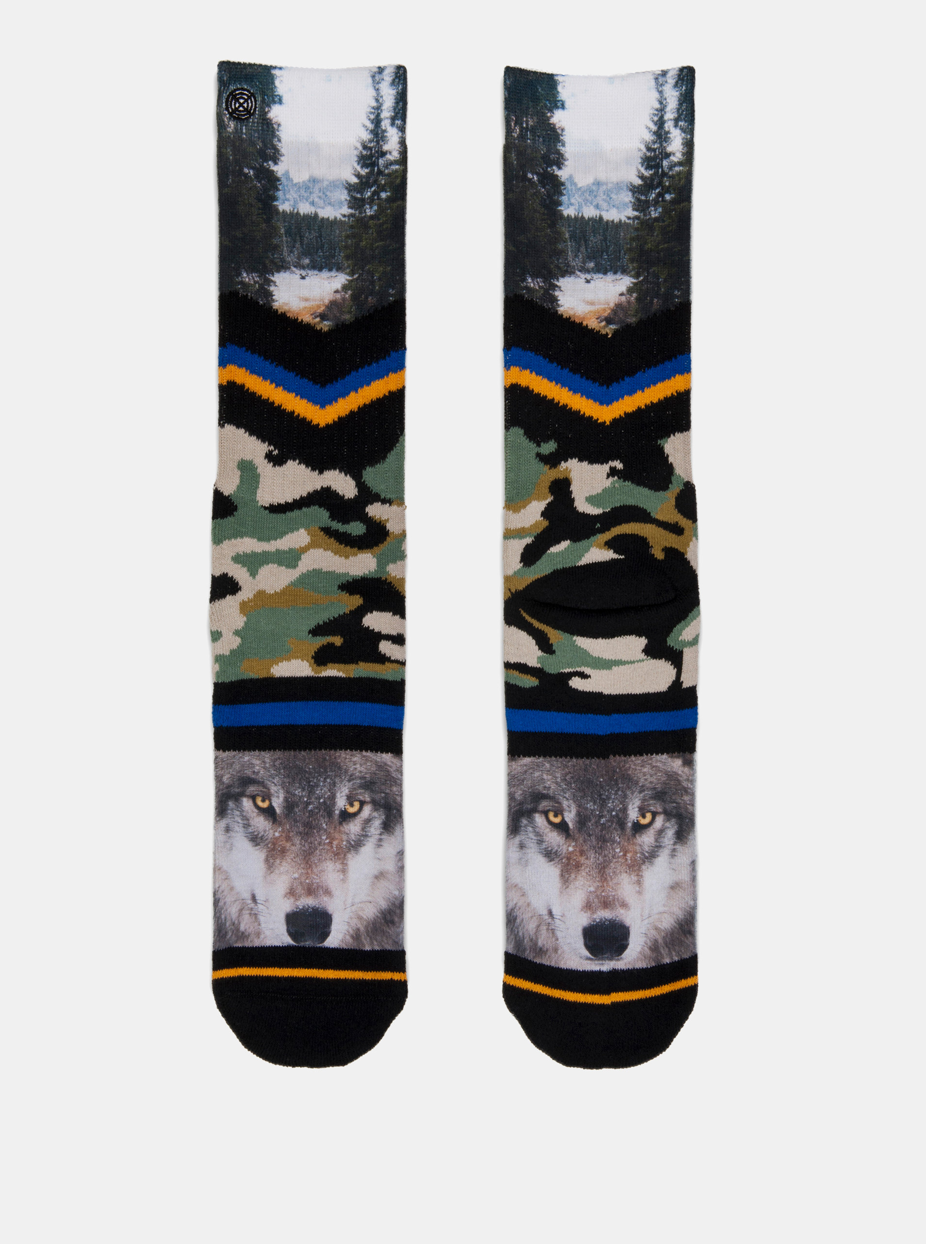 f21a26e954 Zeleno-černé pánské maskáčové ponožky s motivem vlka a lesa XPOOOS ...
