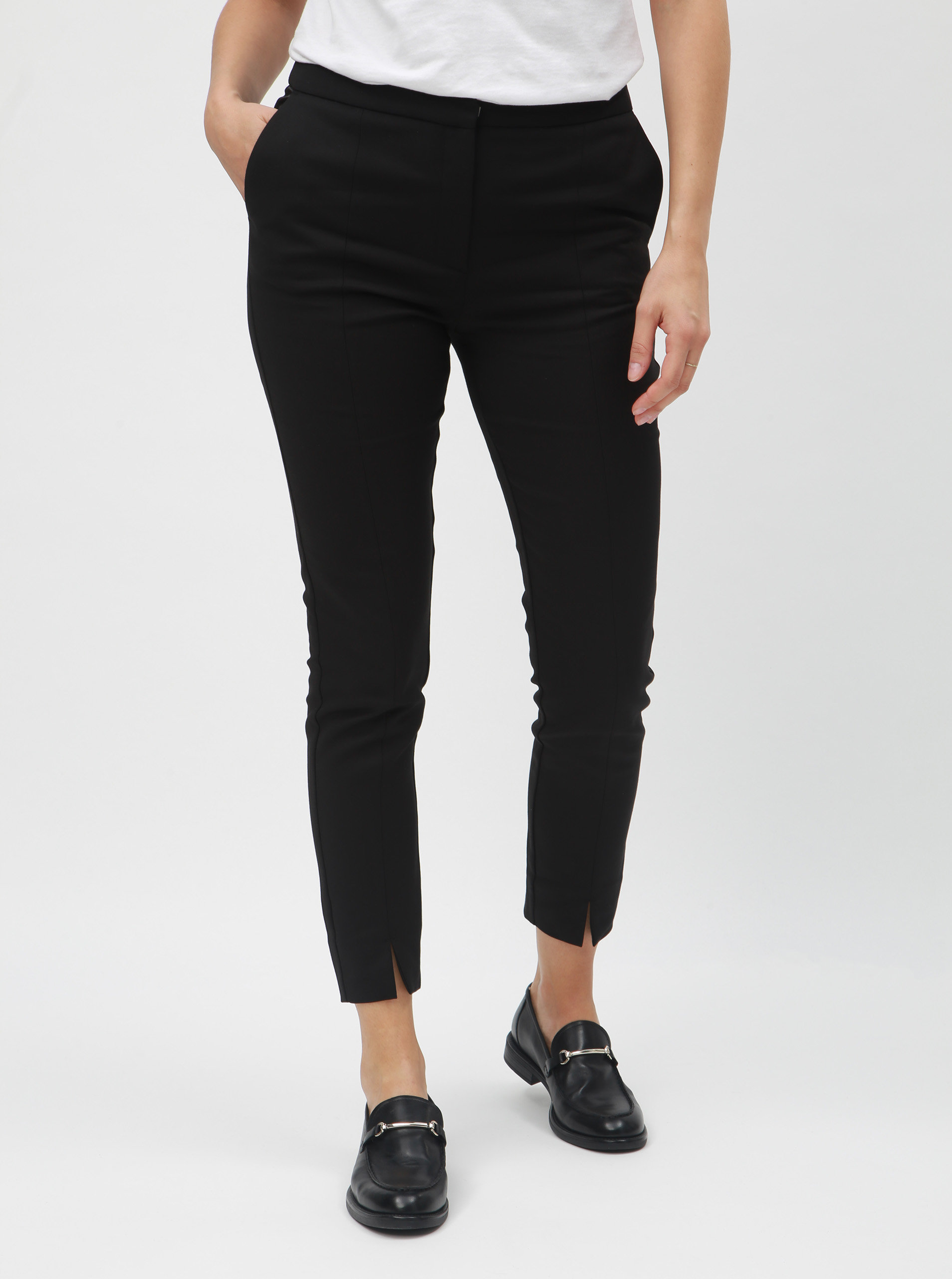 4ecc93aa508 Černé zkrácené kalhoty s rozparky na nohavicích Selected Femme Muse ...