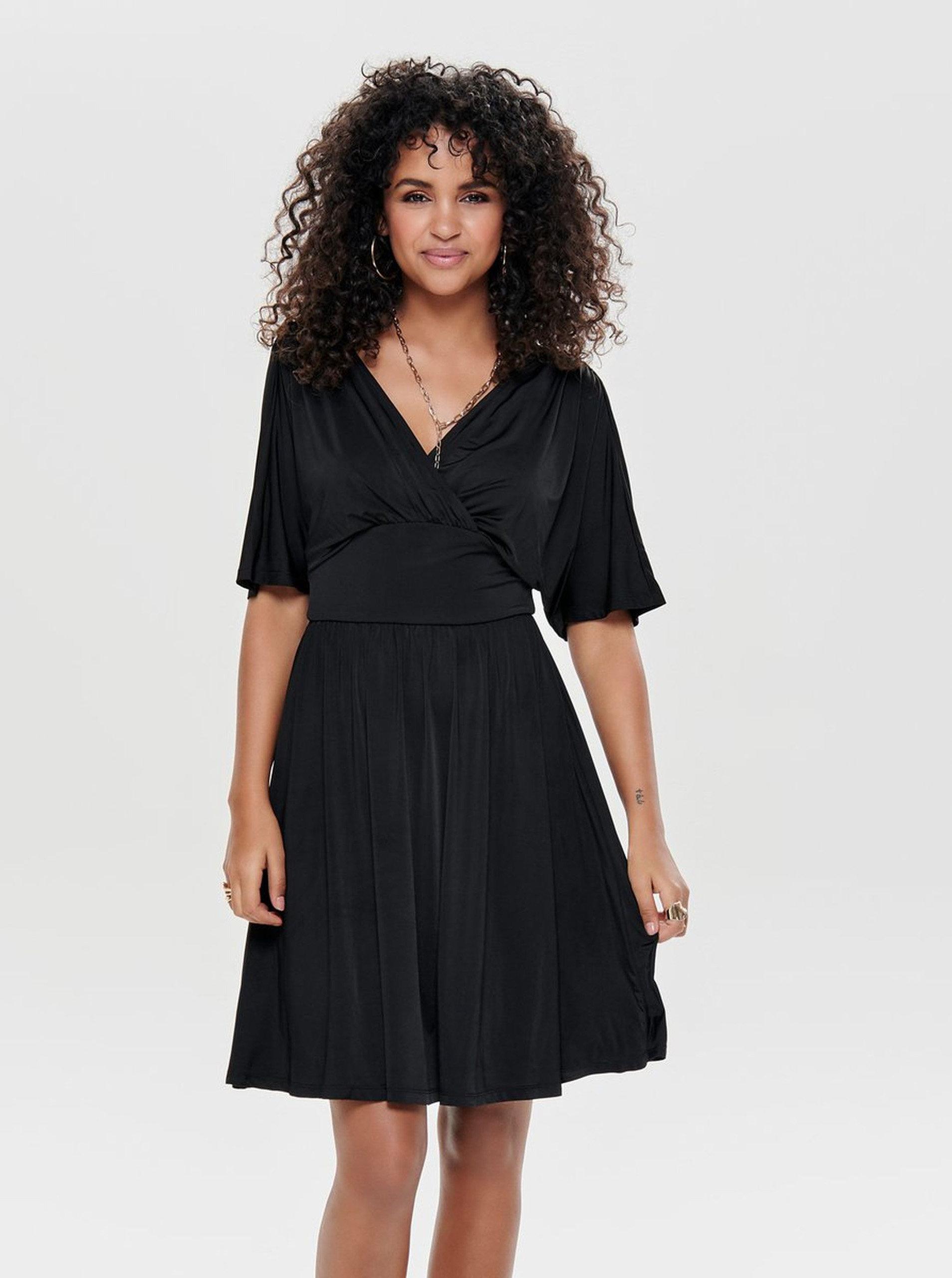 778f08ee92fd Čierne šaty s prekladaným výstrihom ONLY Iris ...