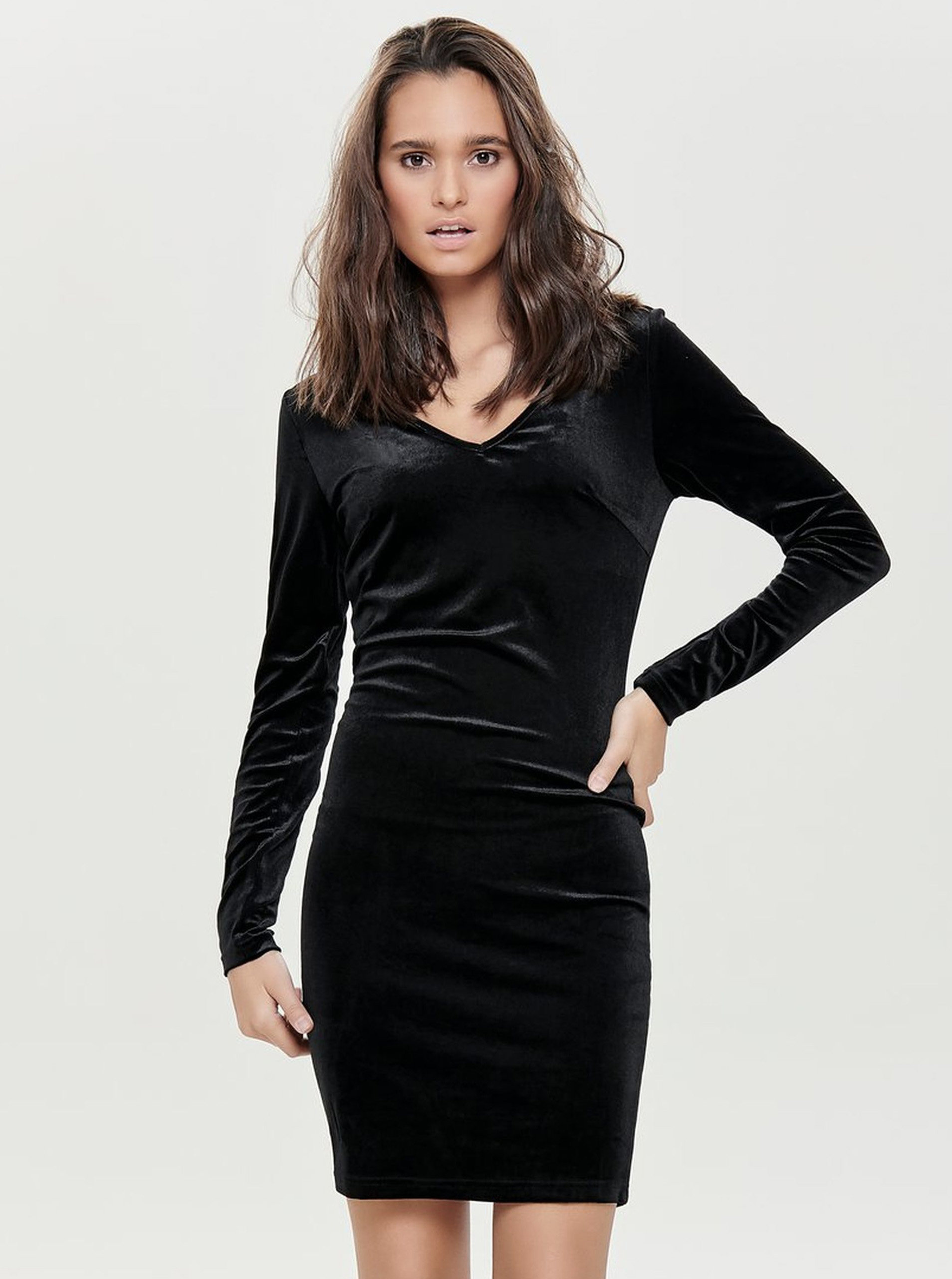 f6300e8c412b Čierne zamatové šaty s dlhým rukávom Jacqueline de Yong Gorgeous ...
