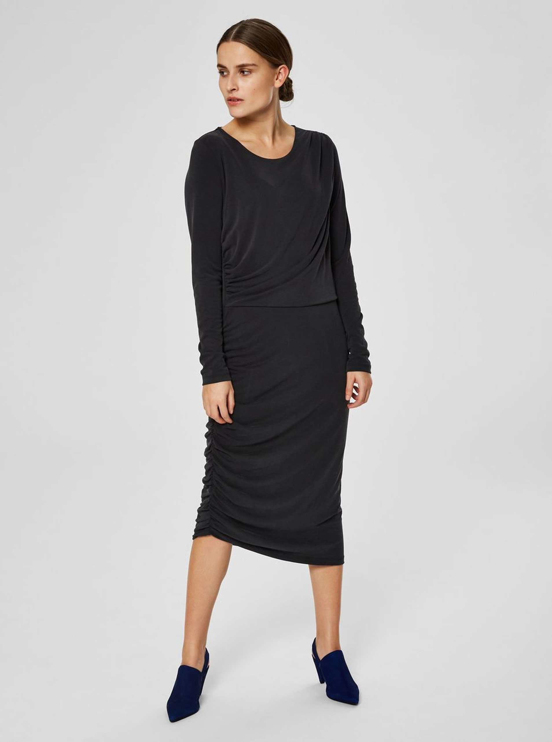 7de491ab978e Čierne asymetrické šaty s riasením na boku Selected Femme Helen ...