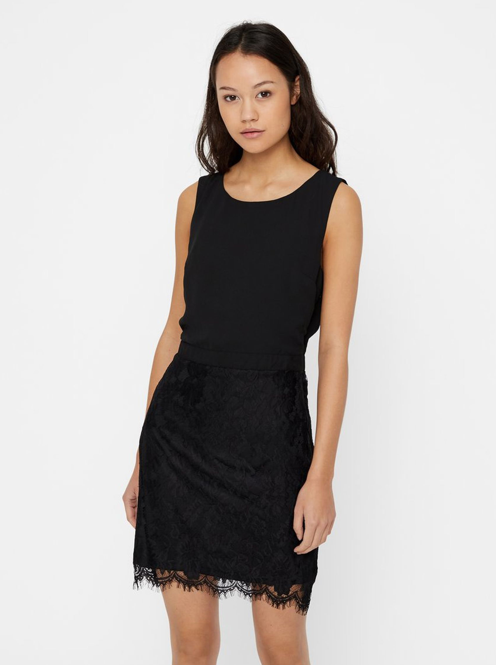 Čierne puzdrové šaty s čipkou VERO MODA Mevy ... 6cdec9dda57