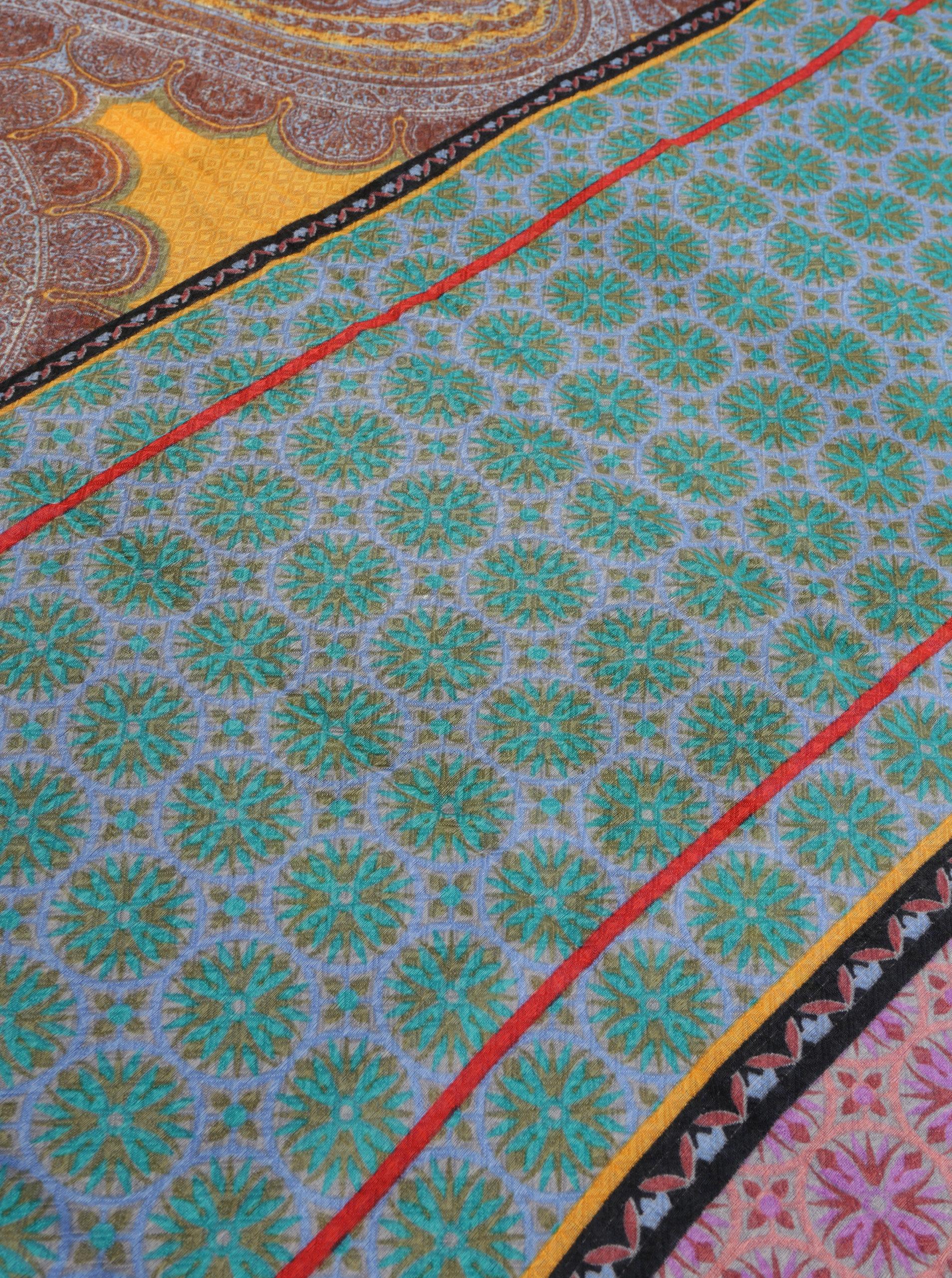 Béžovo-modrý vzorovaný šátek Desigual Brunella ... 37c9dadb81