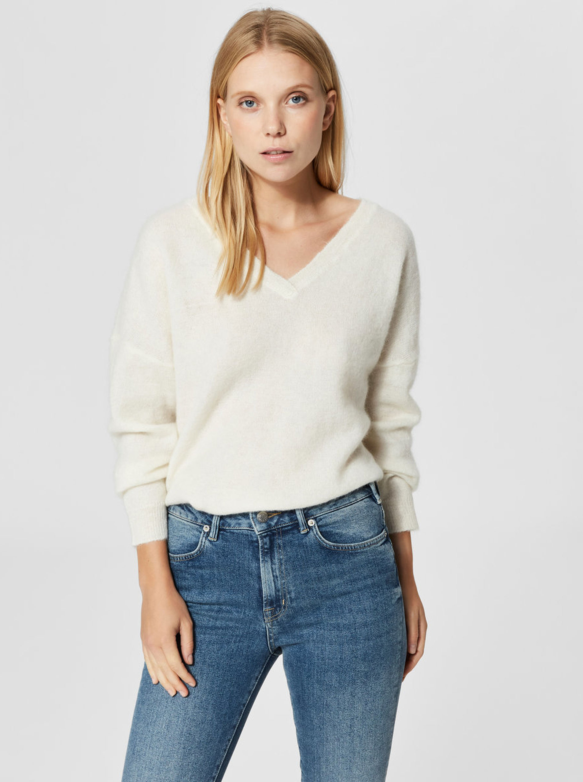 cdbb41962a71 Krémový sveter s prímesou vlny Selected Femme Flivana ...