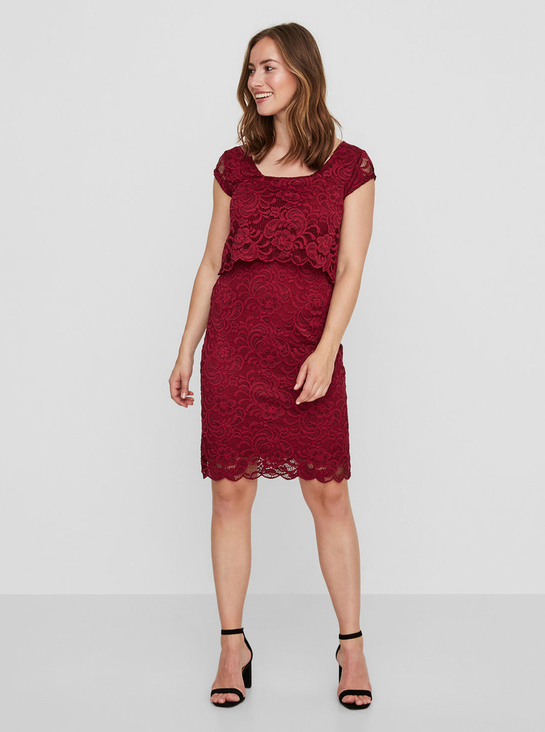 b17bf9526630 Vínové čipkované šaty na kojenie s volánom Mama.licious ...