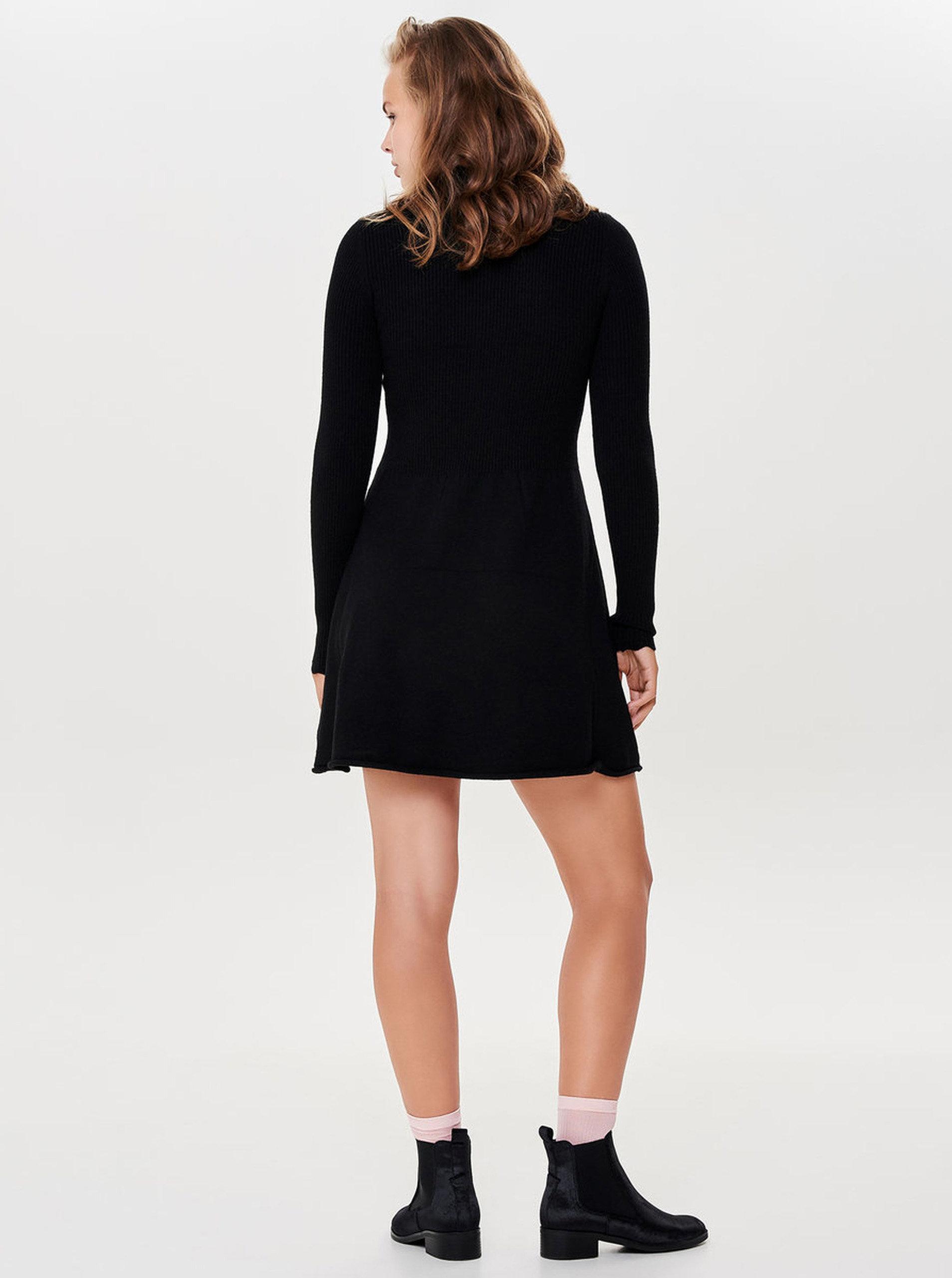 5595b58dd892 Černé svetrové šaty se stojáčkem ONLY Sonia ...
