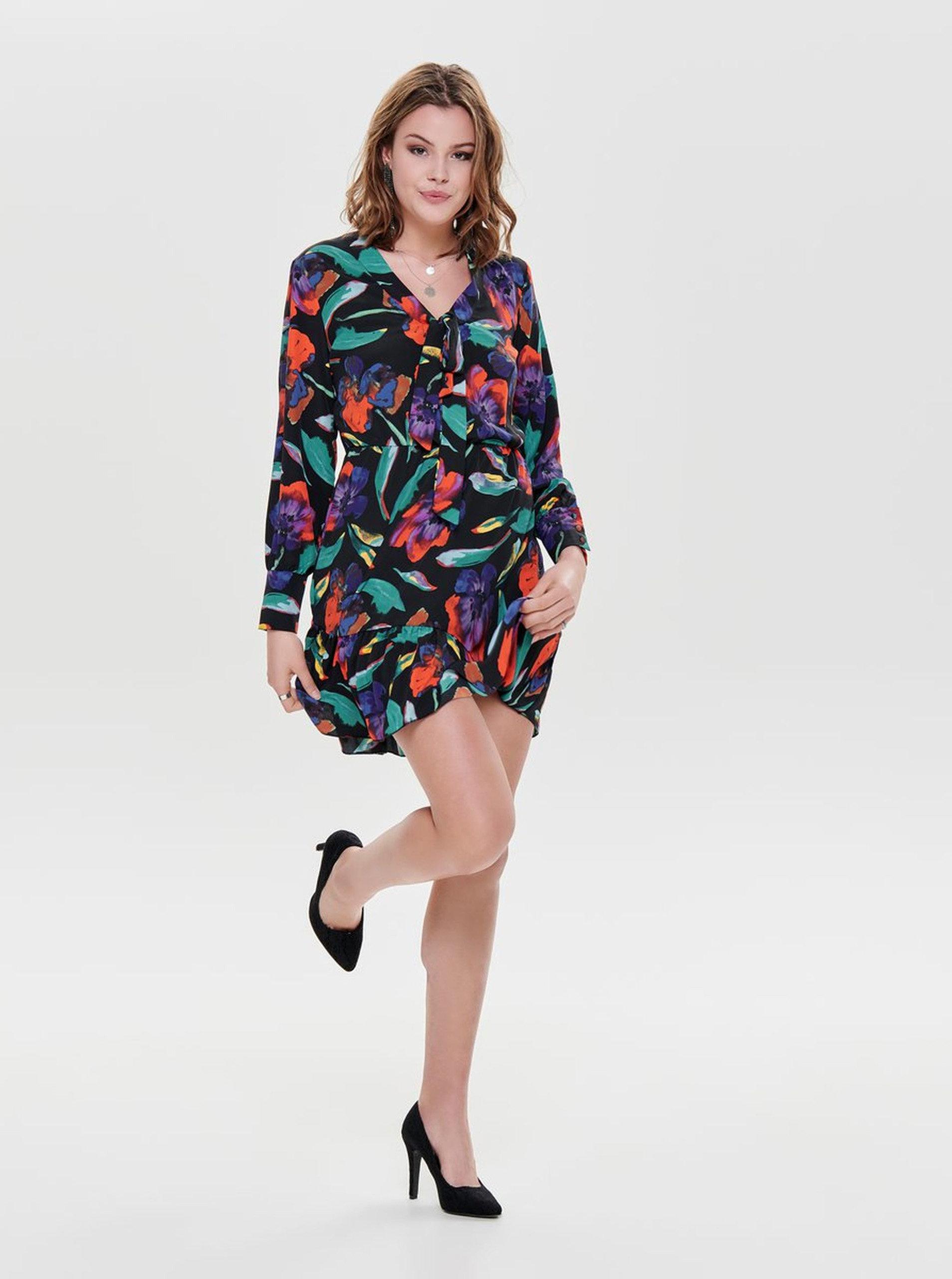 2b2dd5f8f78c Čierne kvetované šaty s mašľou ONLY Chanell ...