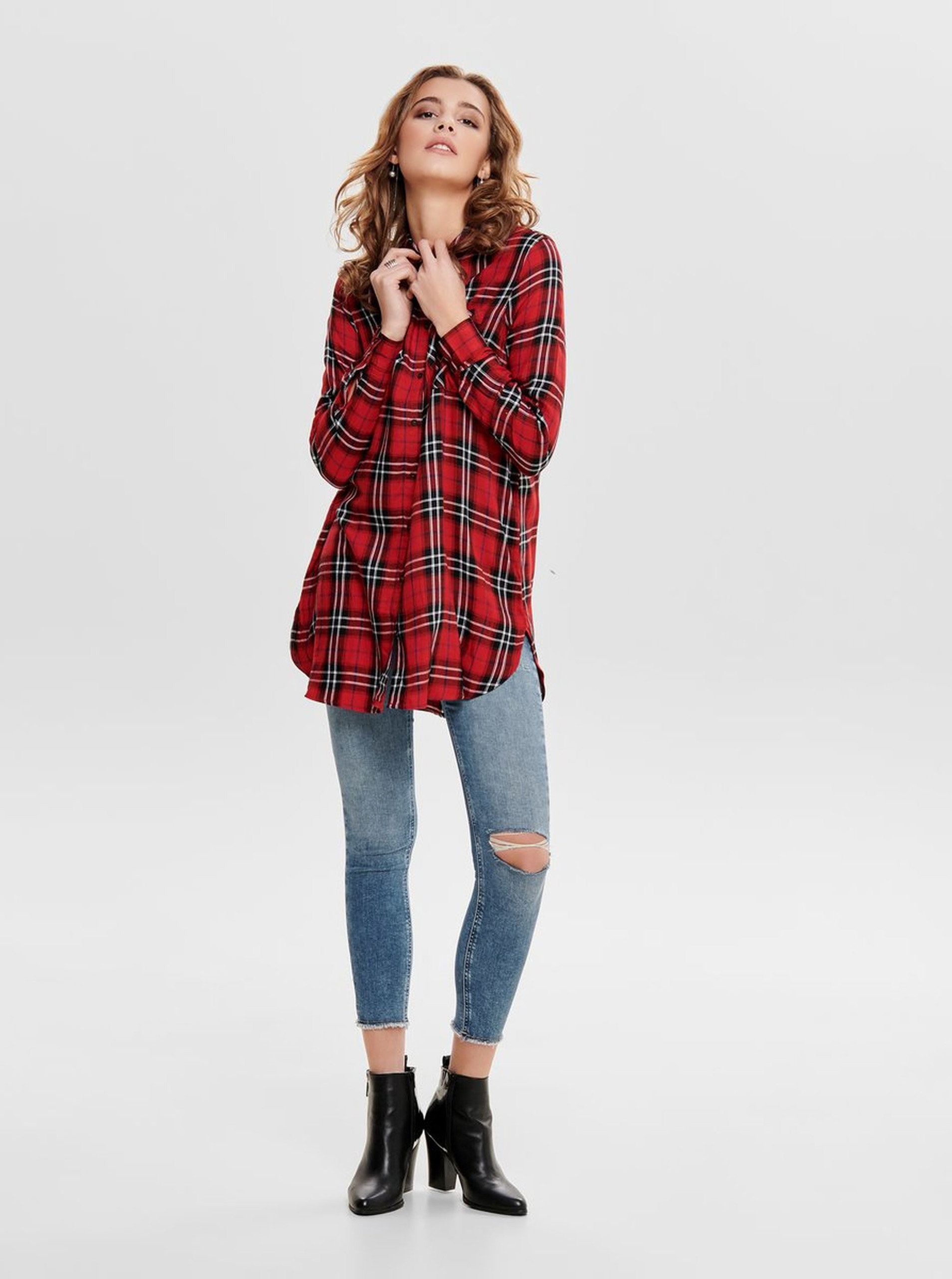 2cd43beeffd0 Čierno–červená dlhá károvaná košeľa ONLY ...