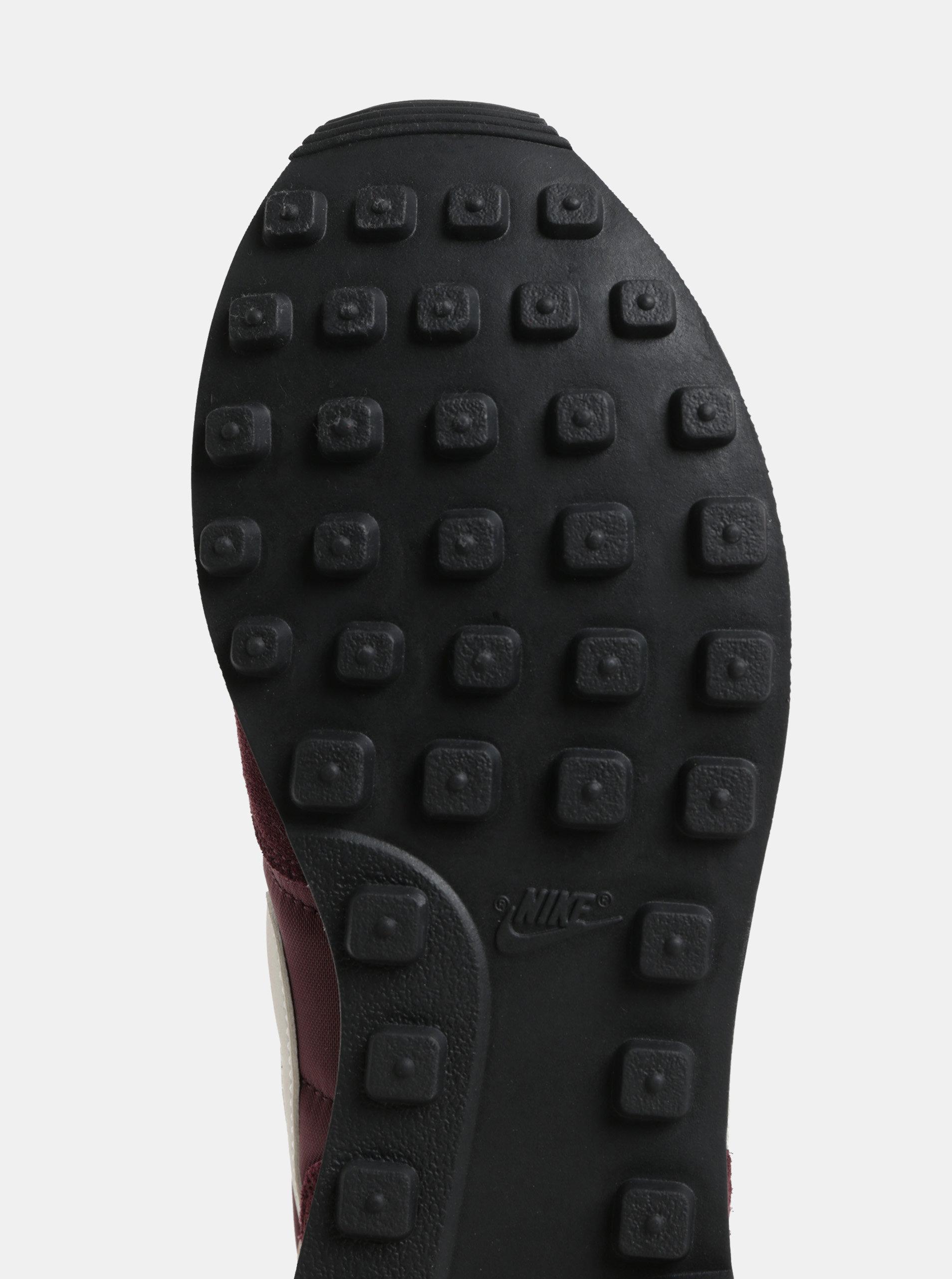 Fialové dámské tenisky se semišovými detaily Nike Internationalist ... 048c6d85c4e