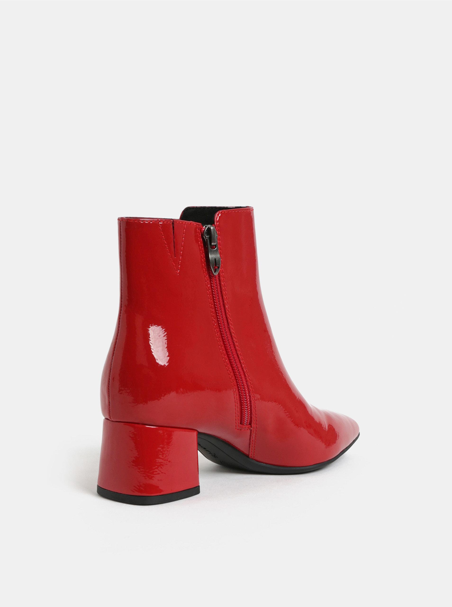e3f41e335f9 Červené lesklé kotníkové boty na nízkém podpatku Tamaris ...